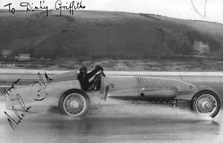 Malcolm Campbell in the Napier Bluebird Pendine Sands 1927