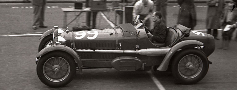 Jack Bartlett in a Monza Alfa-Romeo at Brighton just after the war.