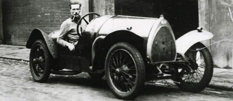 Bill Black in Guy's Brescia Bugatti in Chilworth Mews in 1935