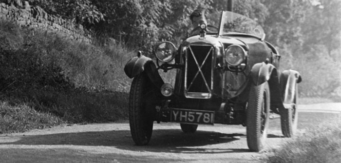 Guy in his Salmson at the top of Saintbury Hill