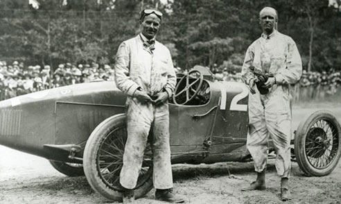 Henry Segrave with mechanic next to the G.P 1922 Sunbeam