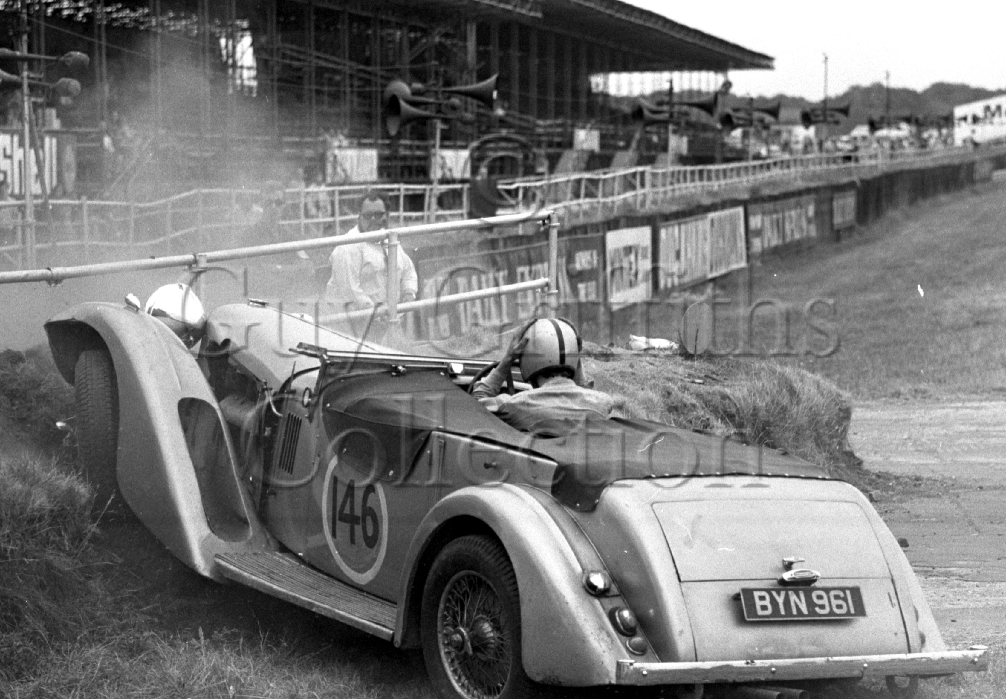 120-844–E-Cairnes–Alvis–Silverstone–26-07-1969.jpg - The Guy Griffiths Collection