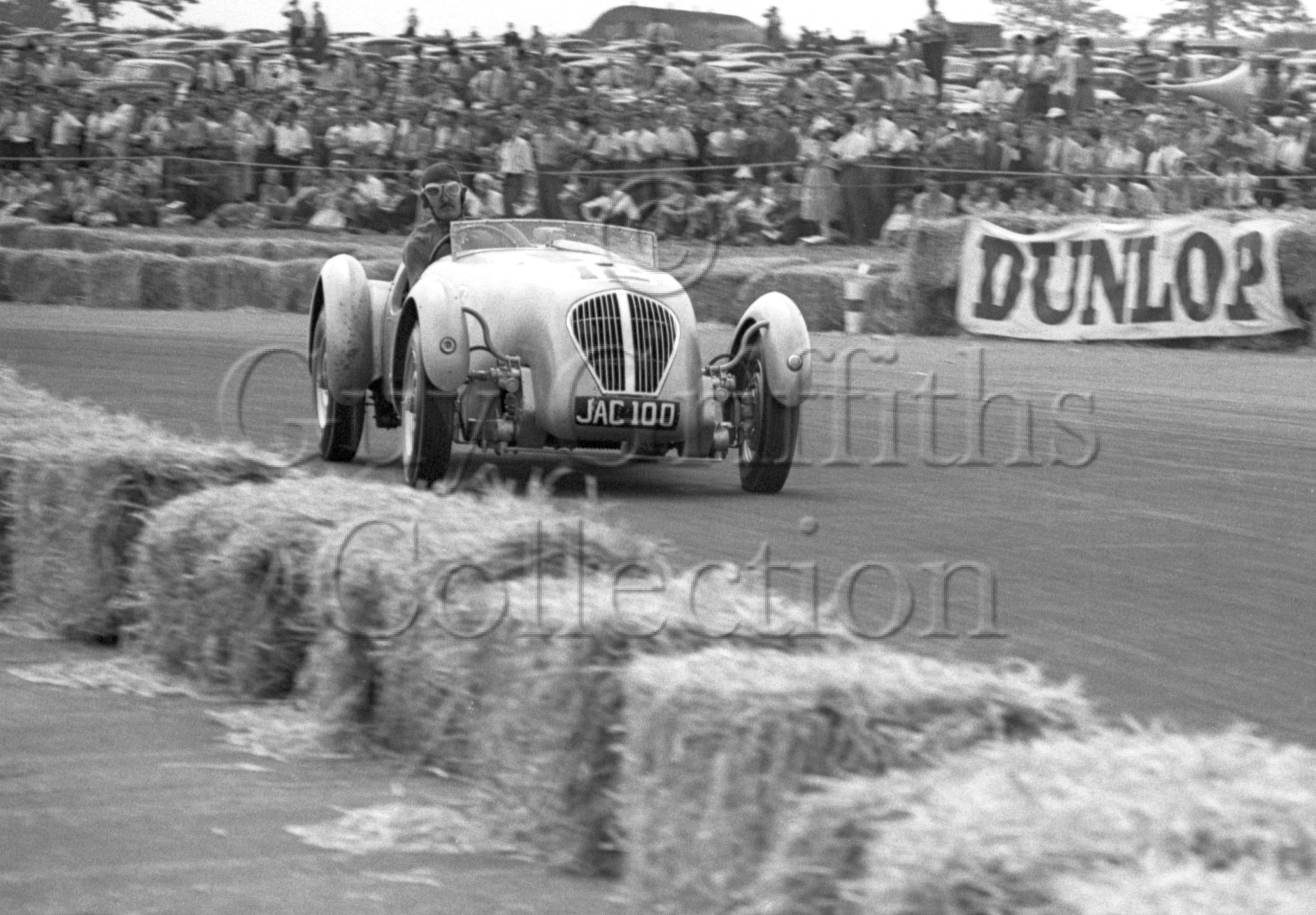 22-146–T-Wisdom–Healey–Silverstone–20-08-1949.jpg - The Guy Griffiths Collection