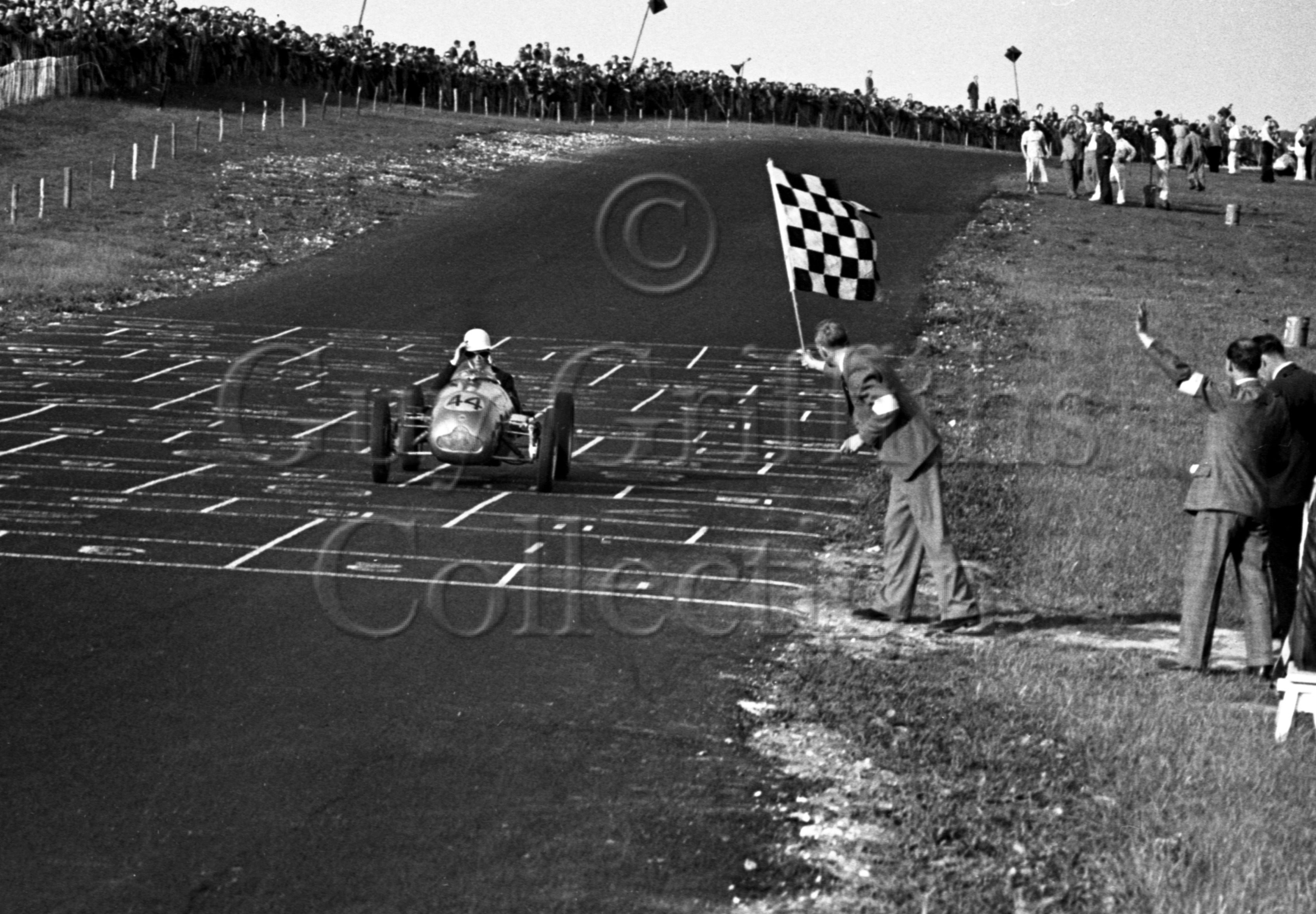 32-691–S-Moss–Cooper-JAP–Brands-Hatch–25-06-1950.jpg - The Guy Griffiths Collection