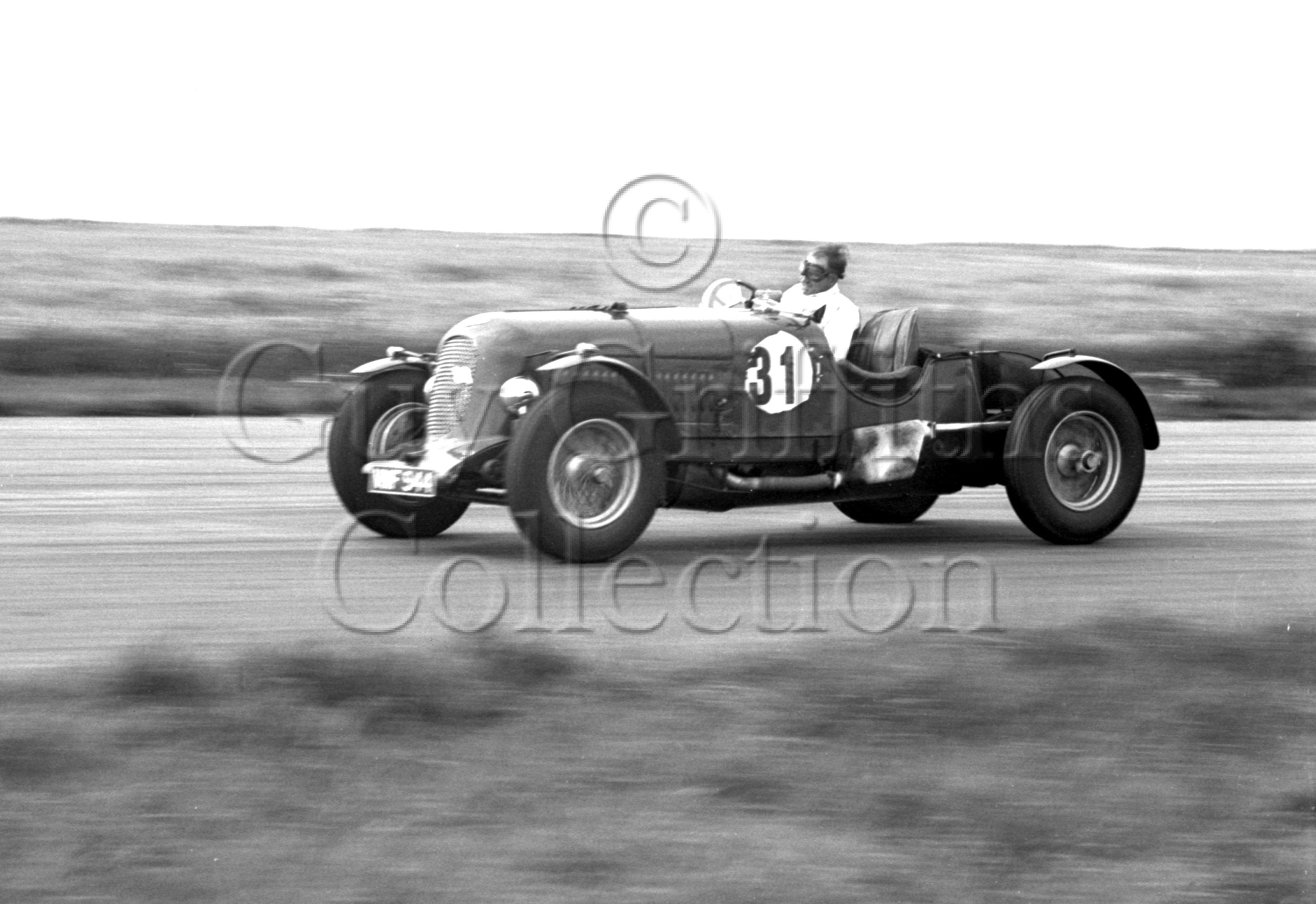 34-466–S-J-Lawrence–Bentley–Silverstone–29-07-1950.jpg - The Guy Griffiths Collection
