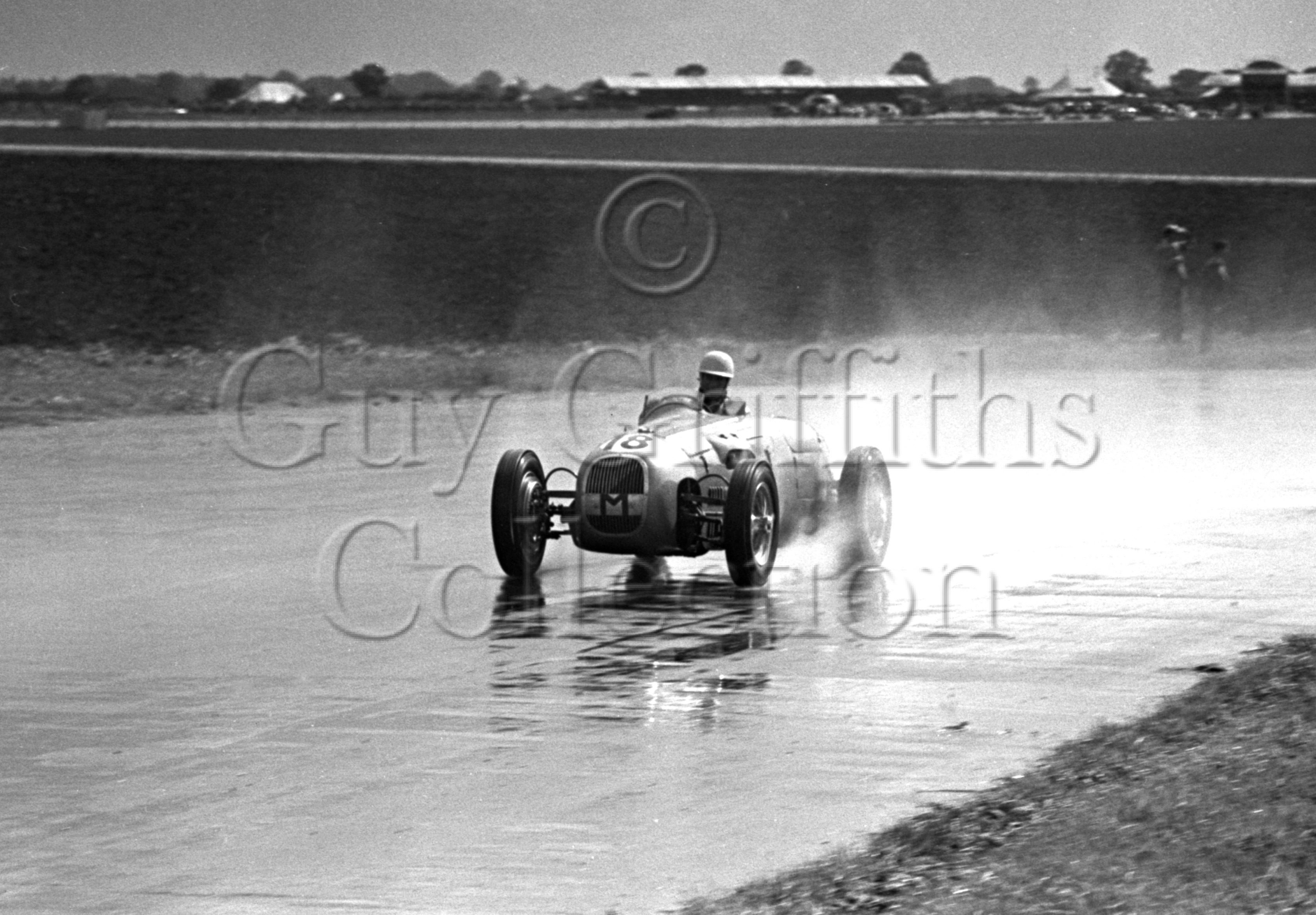 35-954–S-Moss–HWM–Silverstone—-26-08-1950.jpg - The Guy Griffiths Collection