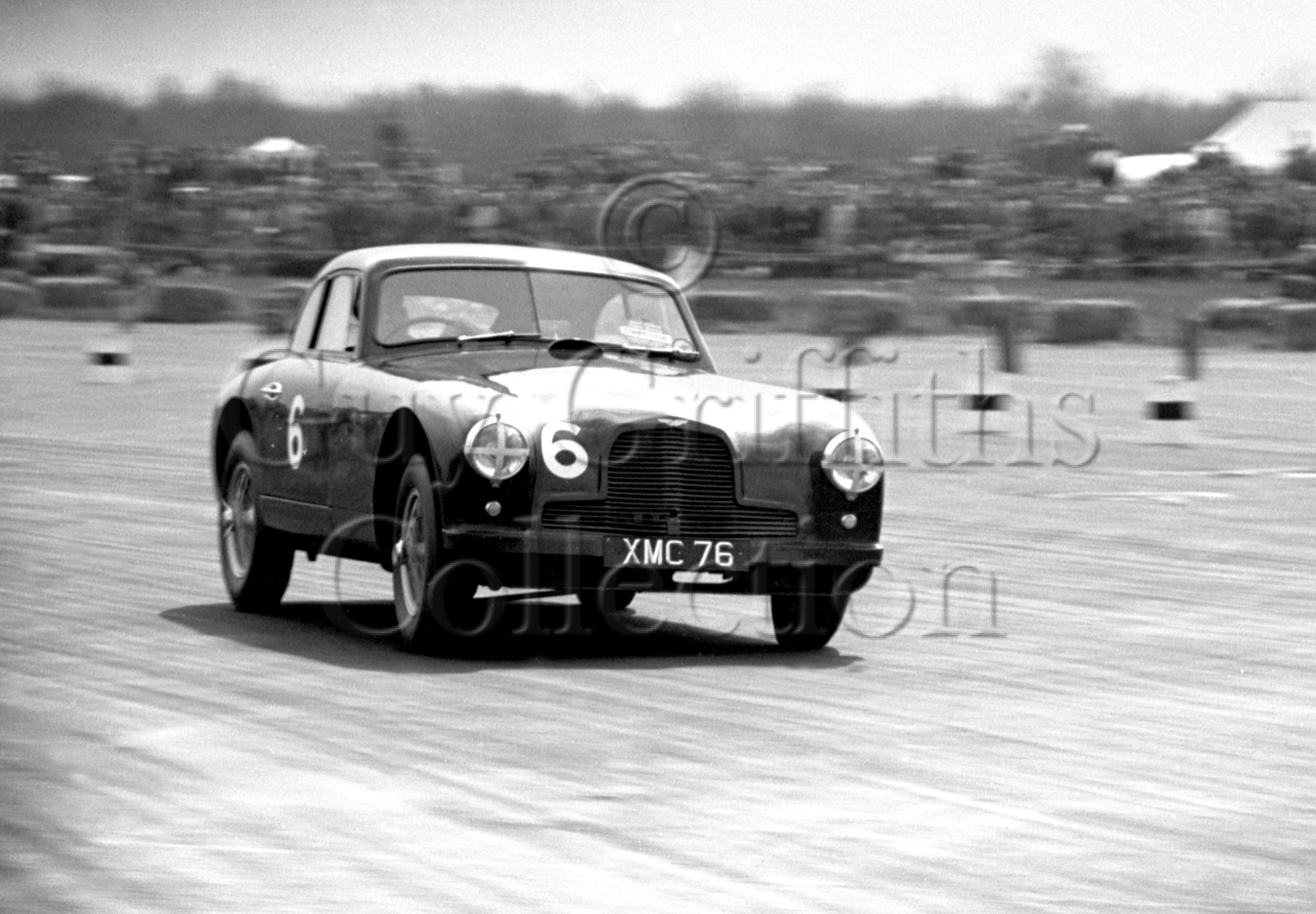 42-123–R-Parnell–Aston-Martin–Silverstone–05-05-1951.jpg - The Guy Griffiths Collection