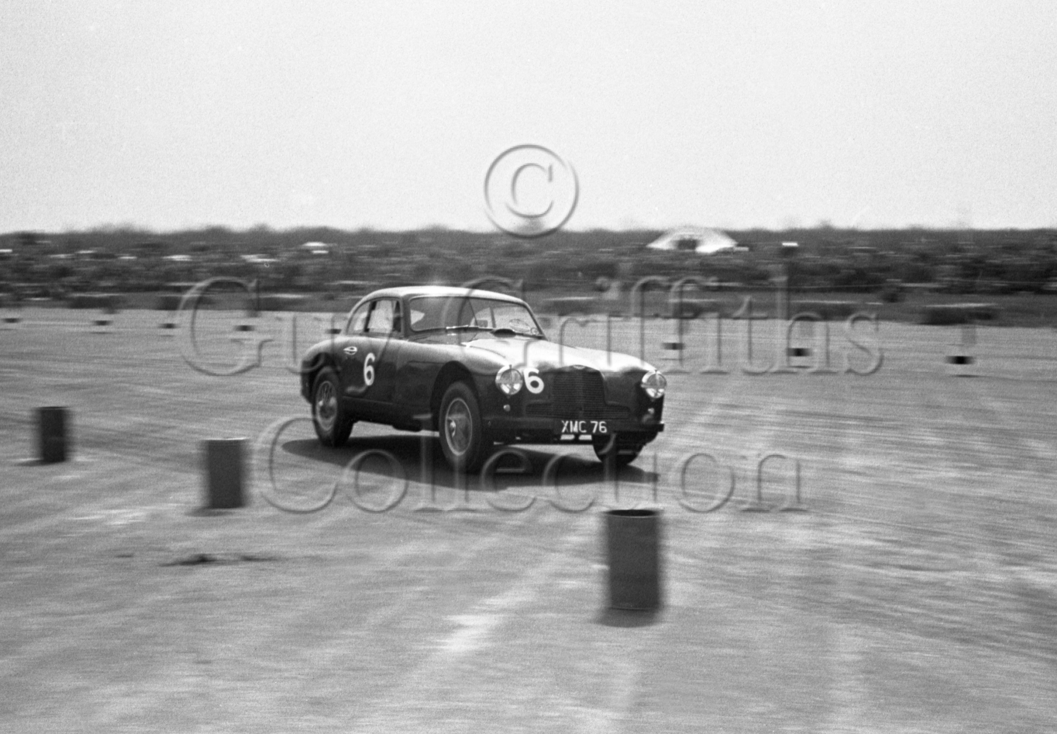 42-155–R-Parnell–Aston-Martin–Silverstone–05-05-1951.jpg - The Guy Griffiths Collection