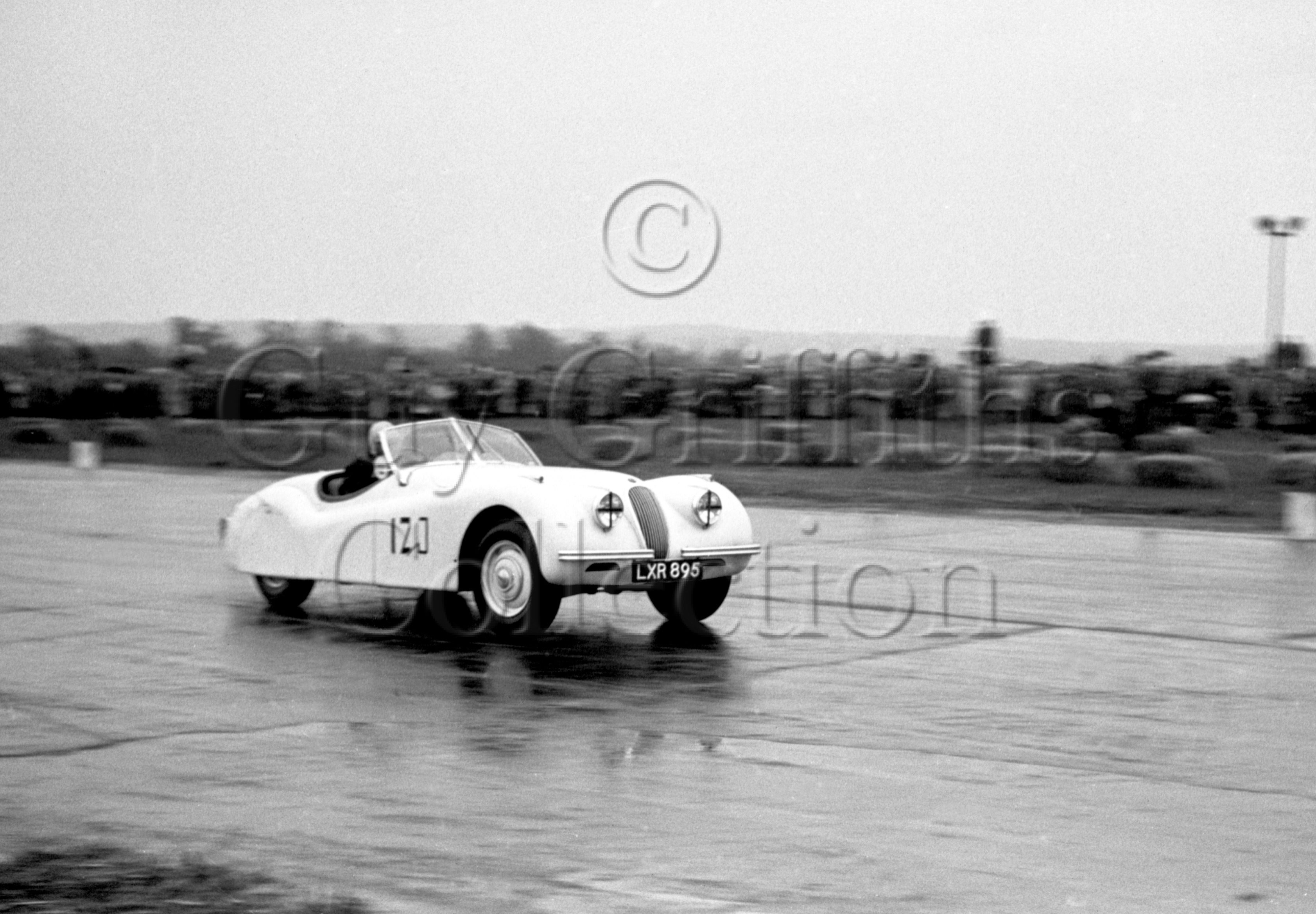 44-275–R-Houchin–Jaguar–Boreham–26-05-1951.jpg - The Guy Griffiths Collection
