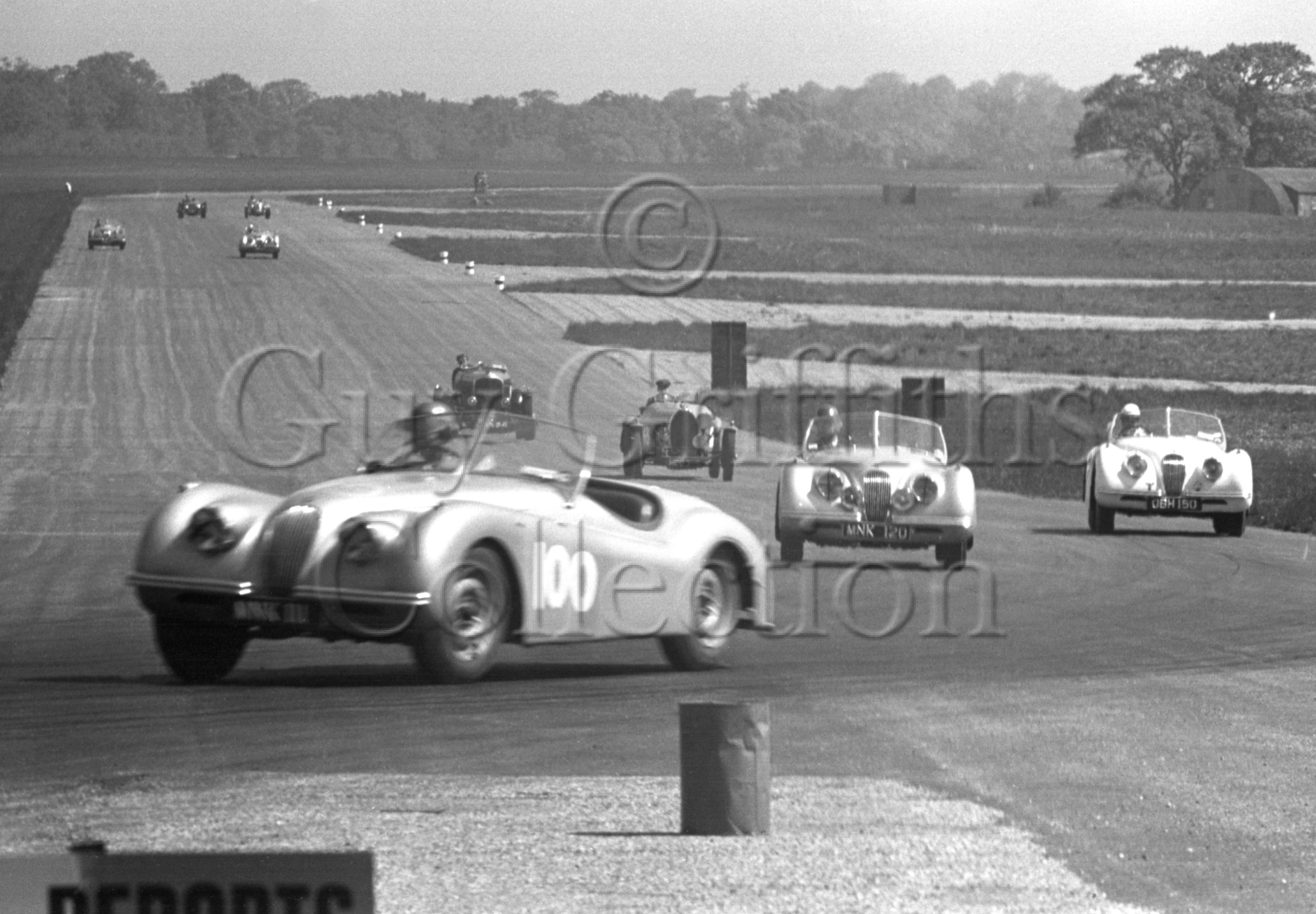 44-784–D-Russell–G-Lee–Jaguar–Silverstone–02-06-1951.jpg - The Guy Griffiths Collection