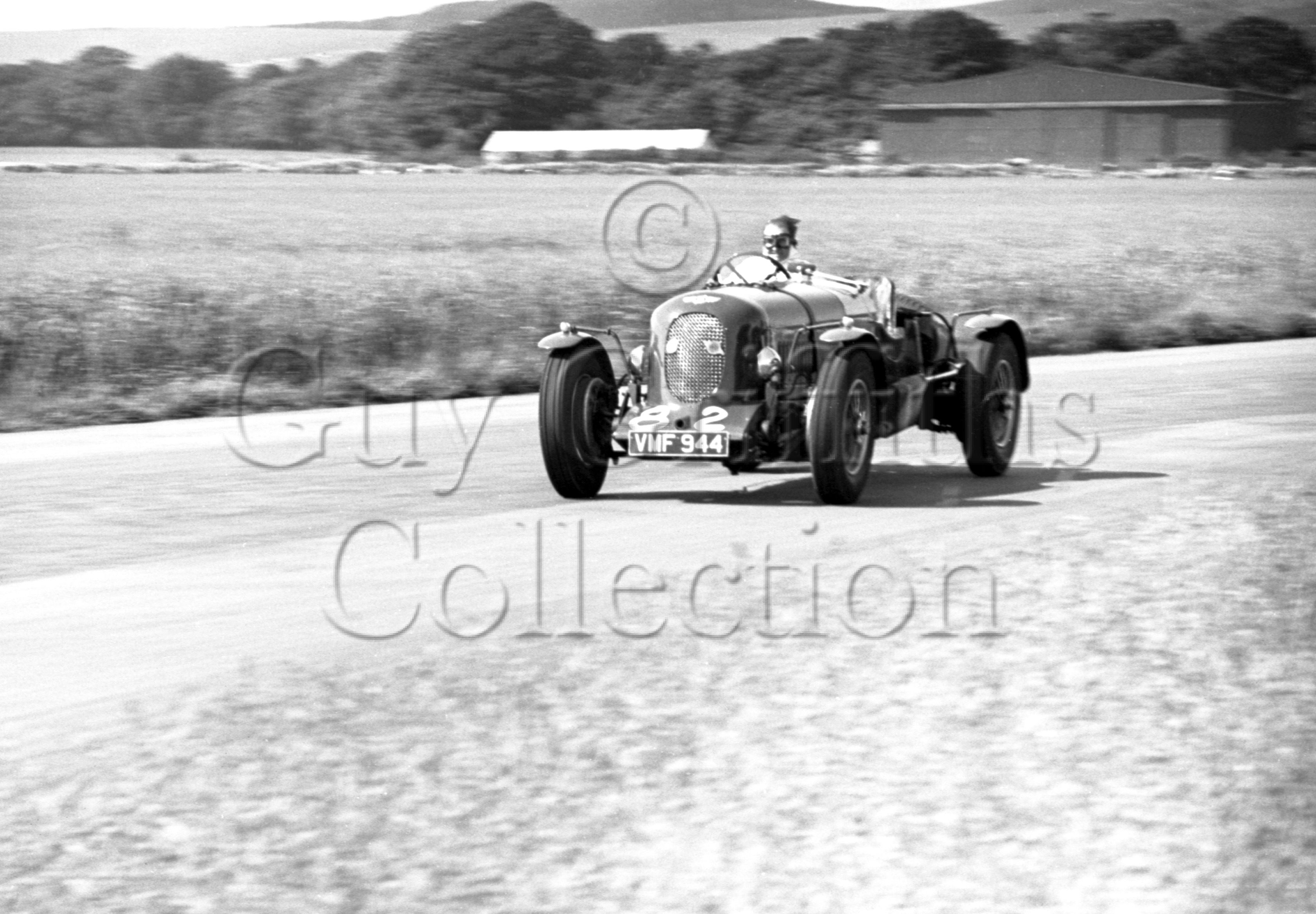 46-92–S-J-Lawrence–Bentley–Goodwood–16-06-1951.jpg - The Guy Griffiths Collection