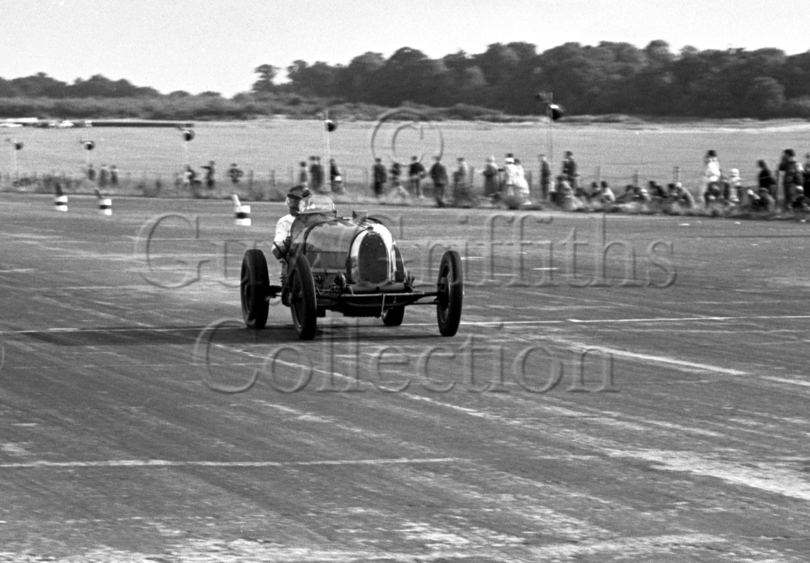 47-892–J-Ching–Bugatti–Silverstone–28-07-1951.jpg - The Guy Griffiths Collection