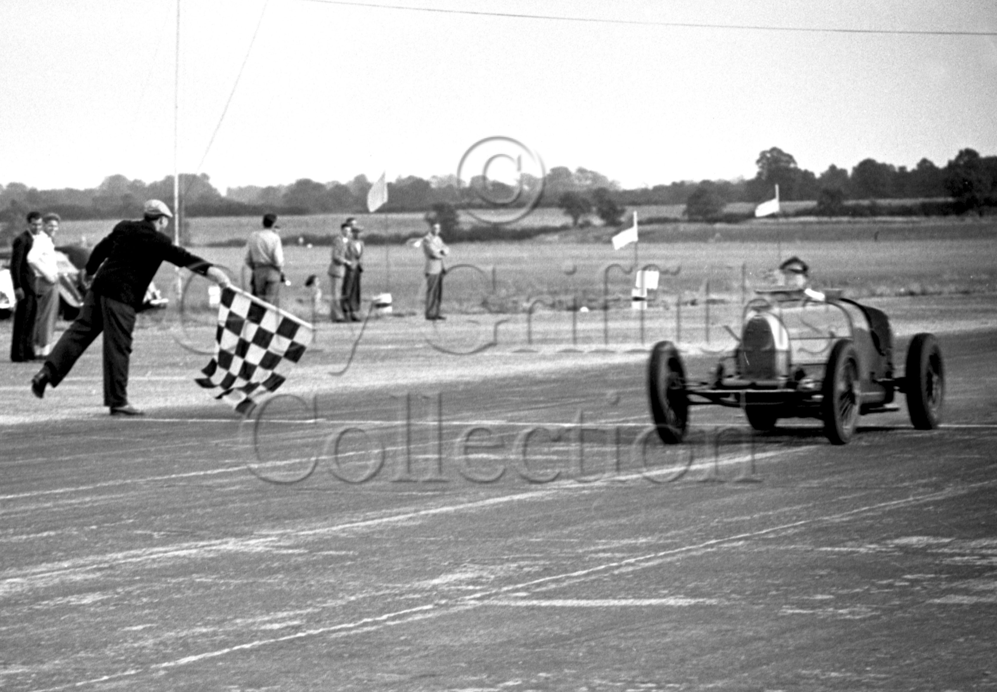 47-895–J-Ching–Bugatti–Silverstone–28-07-1951.jpg - The Guy Griffiths Collection