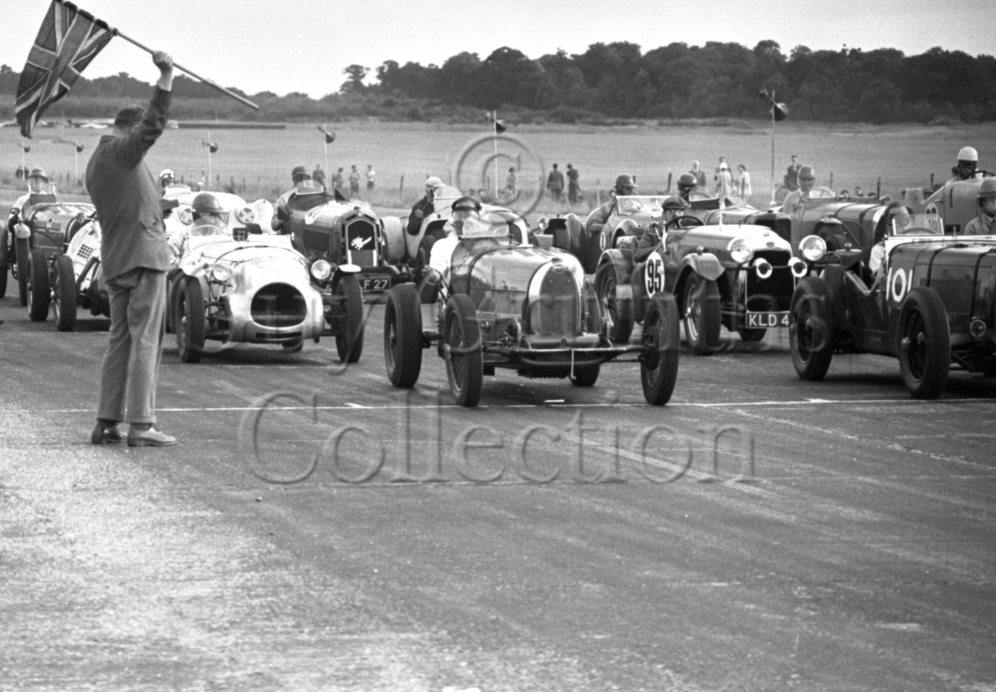 47-952–J-Ching–Bugatti–Silverstone–28-07-1951.jpg - The Guy Griffiths Collection