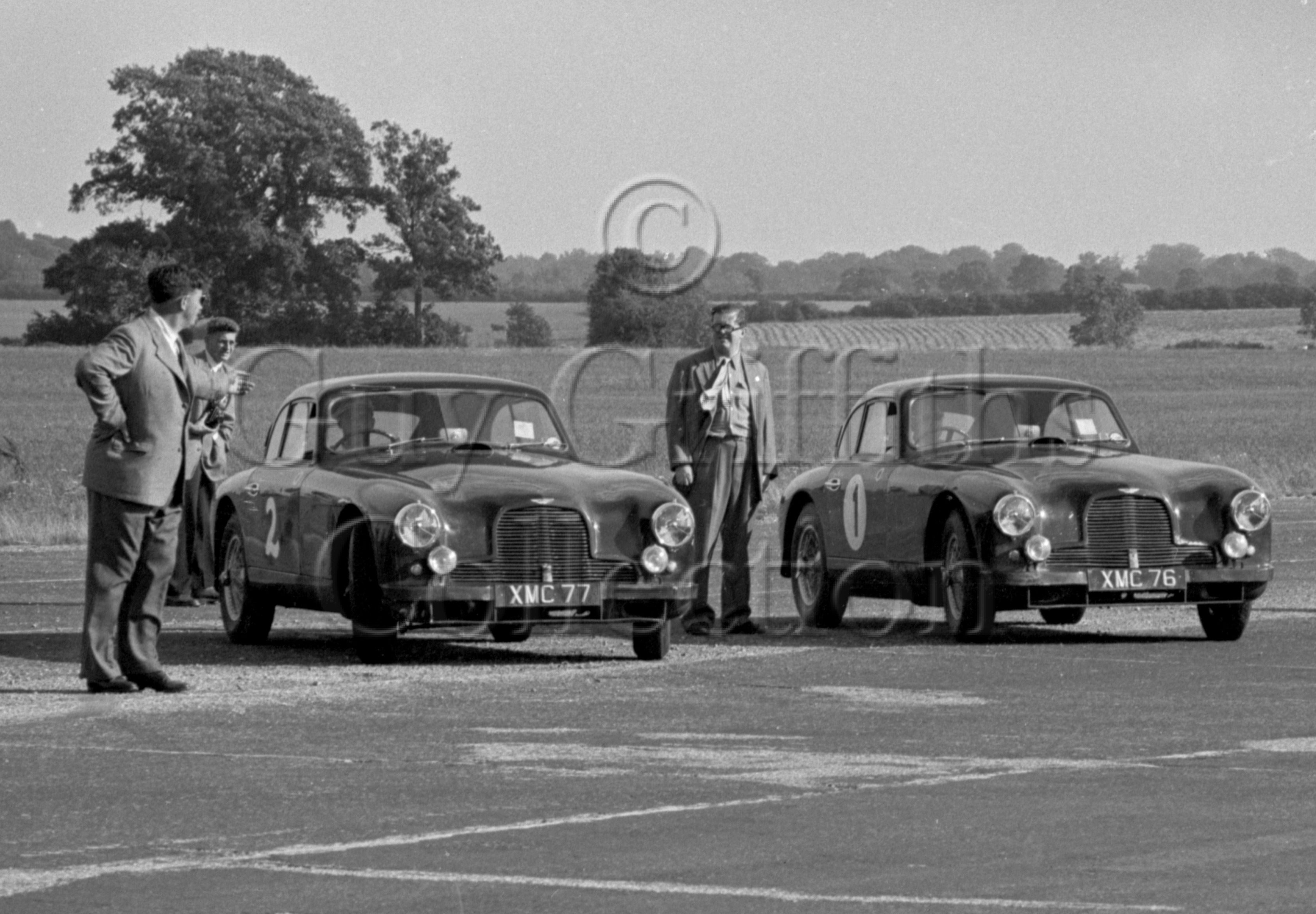 48-151–Aston-Martin-DB11–Silverstone–28-07-1951.jpg - The Guy Griffiths Collection