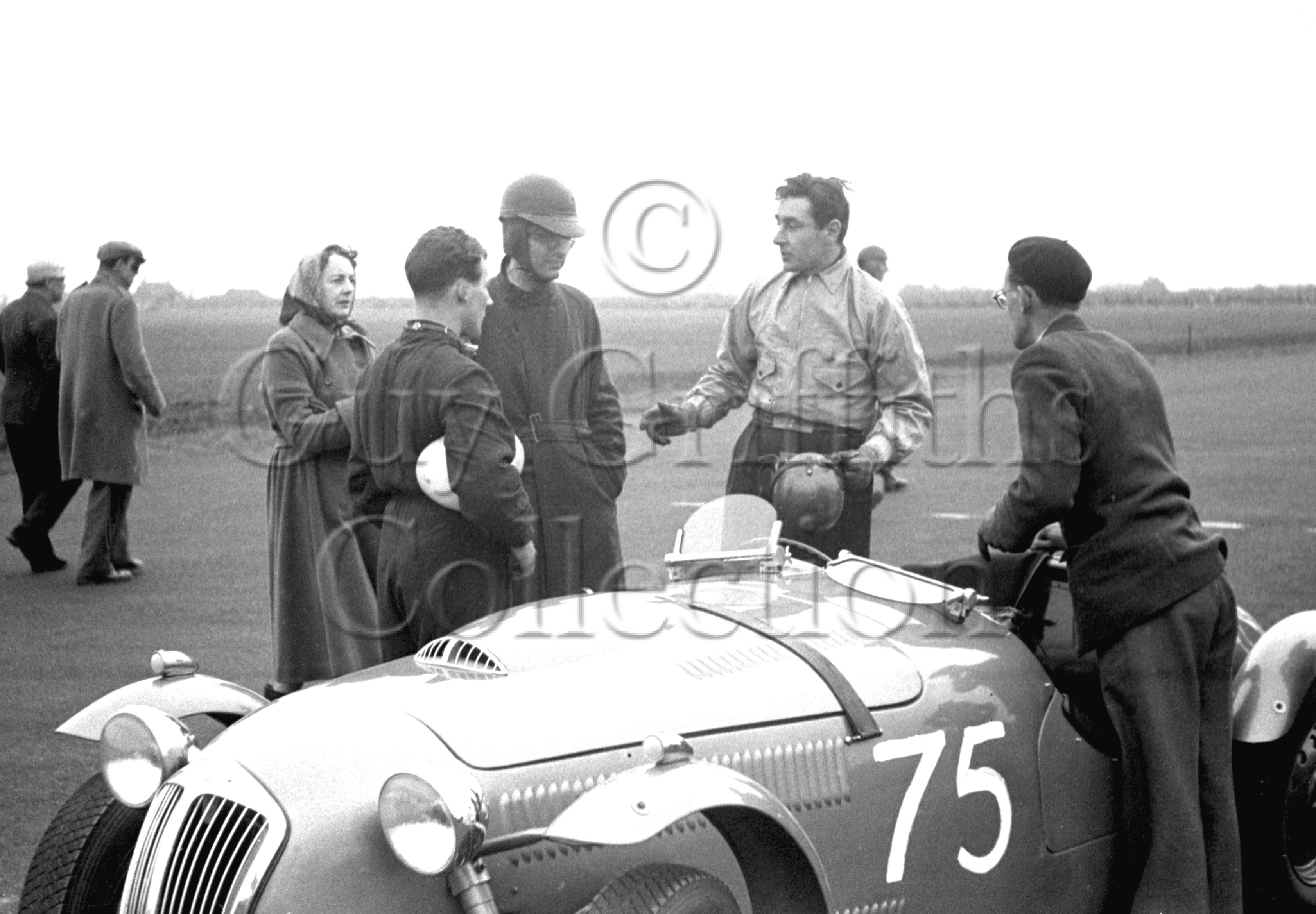 52-471–T-Crook–R-Salvadori–Frazer-Nash–Castle-Combe–12-04-1952.jpg - The Guy Griffiths Collection