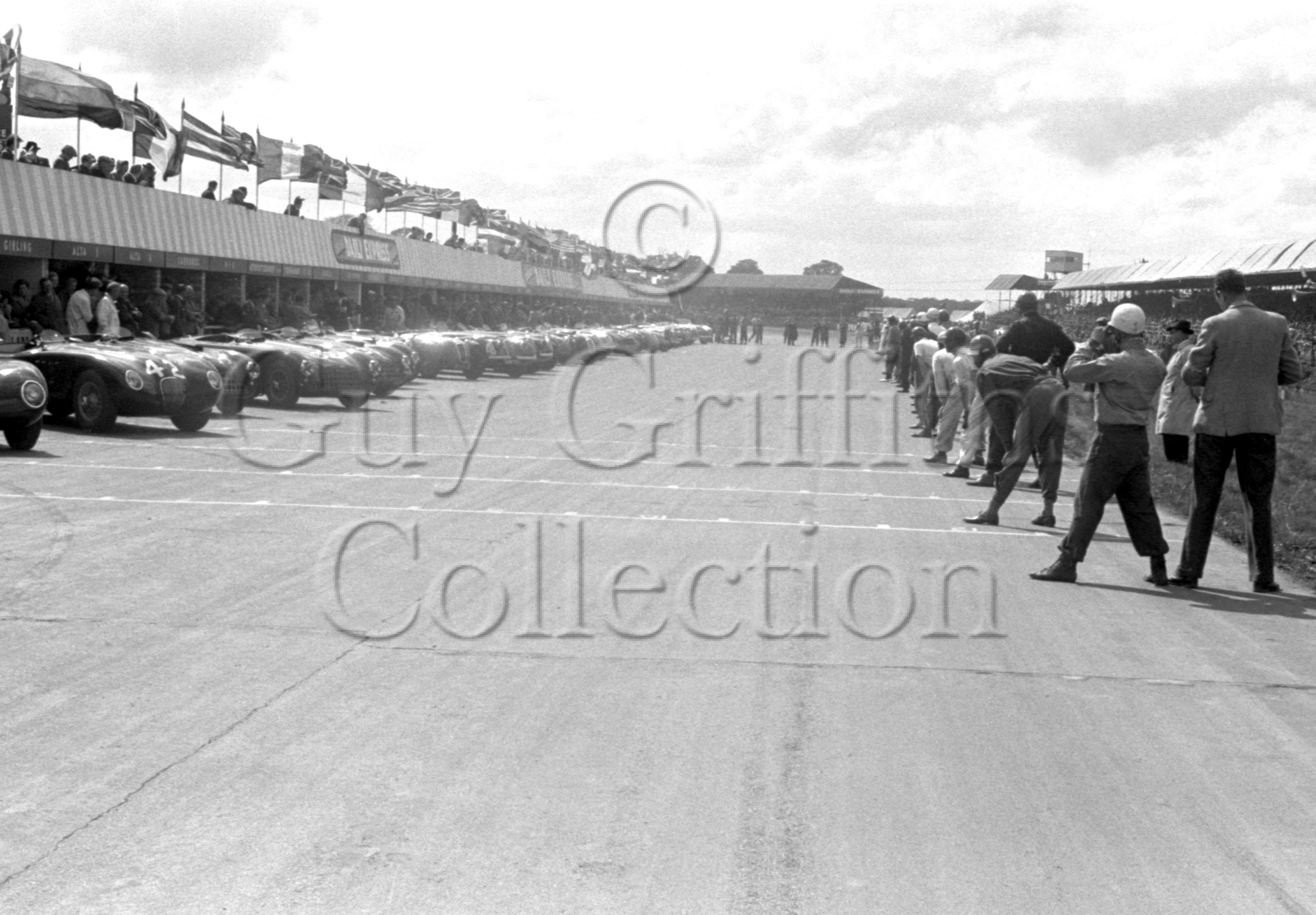 53-963–Silverstone–10-05-1952.jpg - The Guy Griffiths Collection