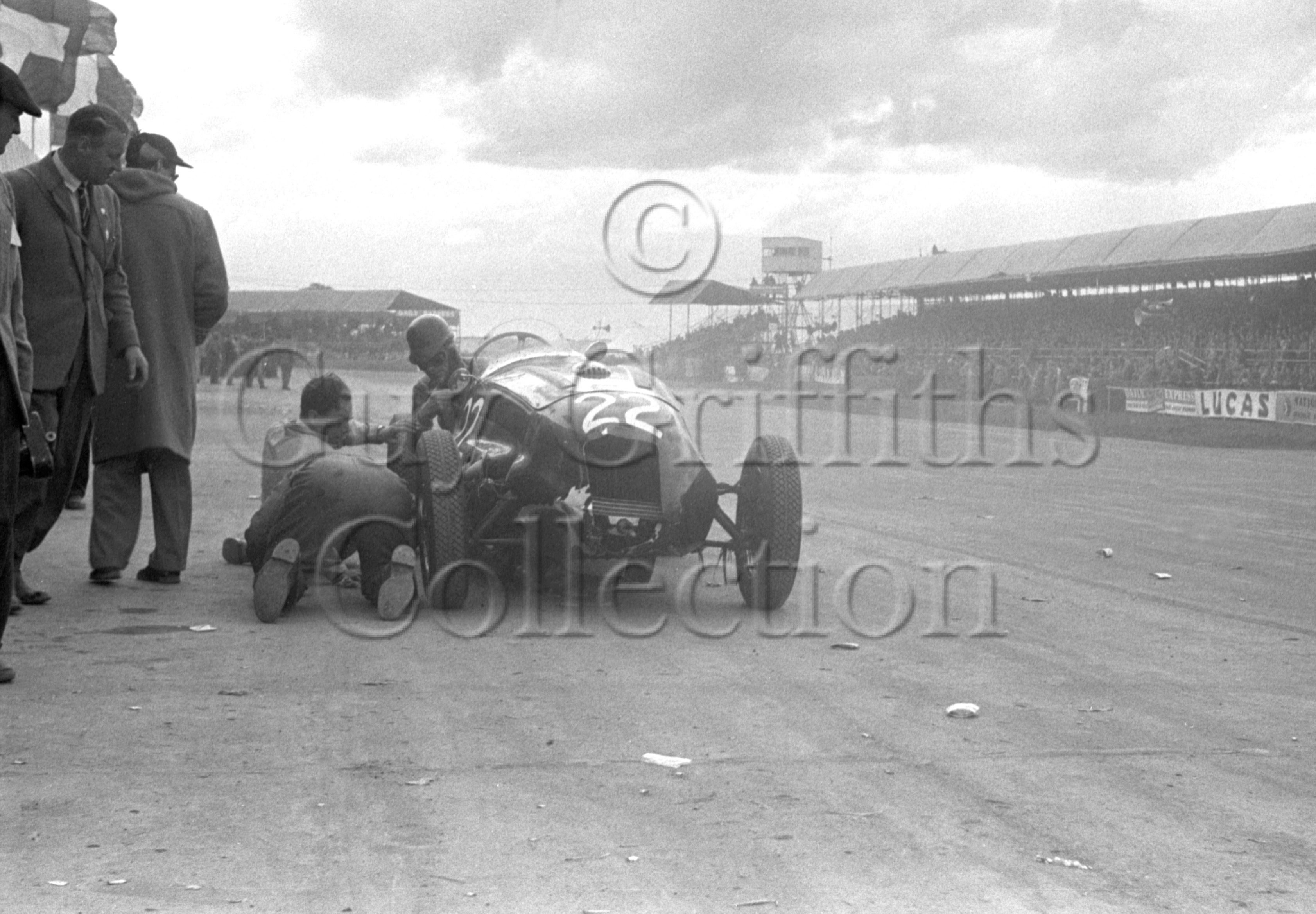 54-292–T-Crook–Frazer-Nash–Silverstone–10-05-1952.jpg - The Guy Griffiths Collection