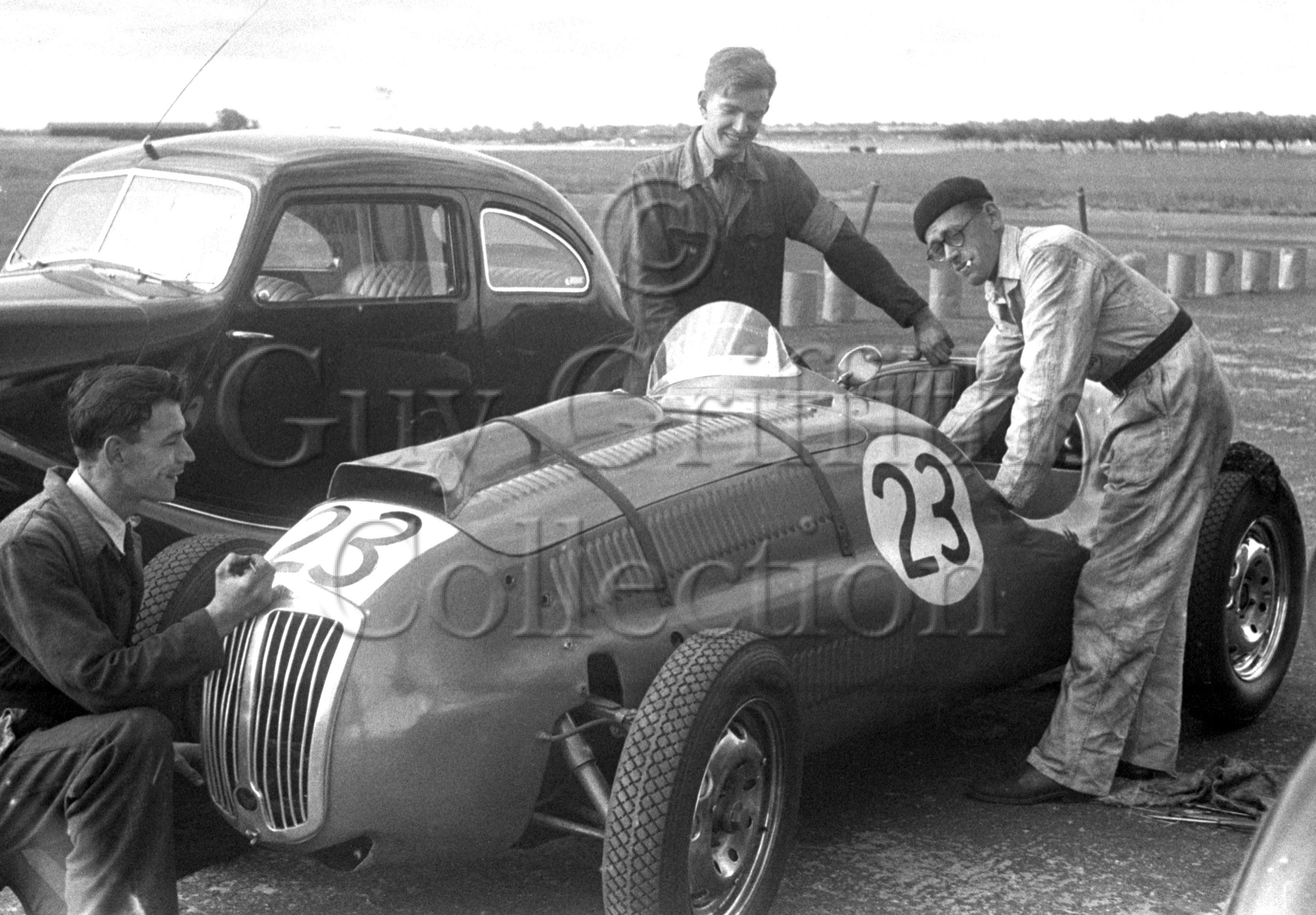 57-802–T-Crook–Frazer-Nash–Silverstone–19-07-1952.jpg - The Guy Griffiths Collection