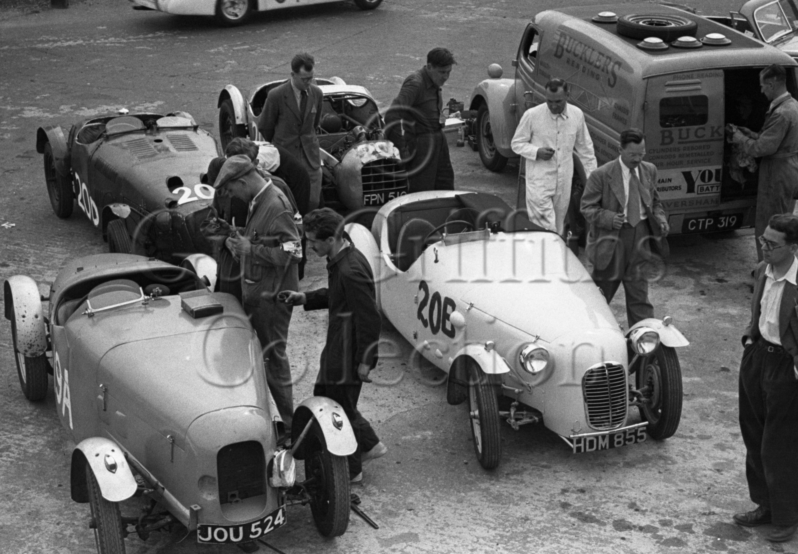 60-221–H-Porteous–Porteous-Buckler–Silverstone–30-08-1952.jpg - The Guy Griffiths Collection