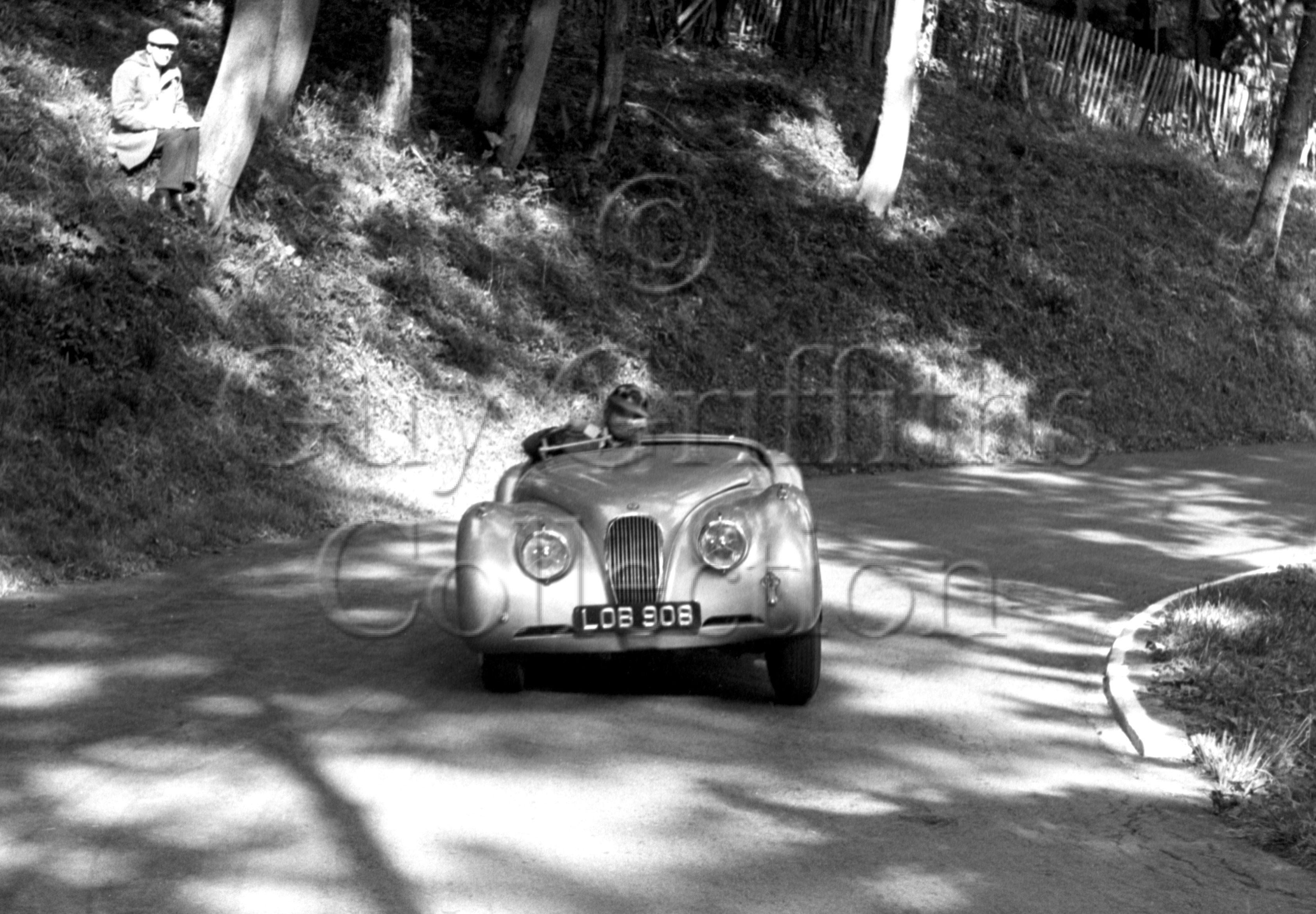 61-463–G-Mansell–Jaguar–Prescott–14-09-1952.jpg - The Guy Griffiths Collection