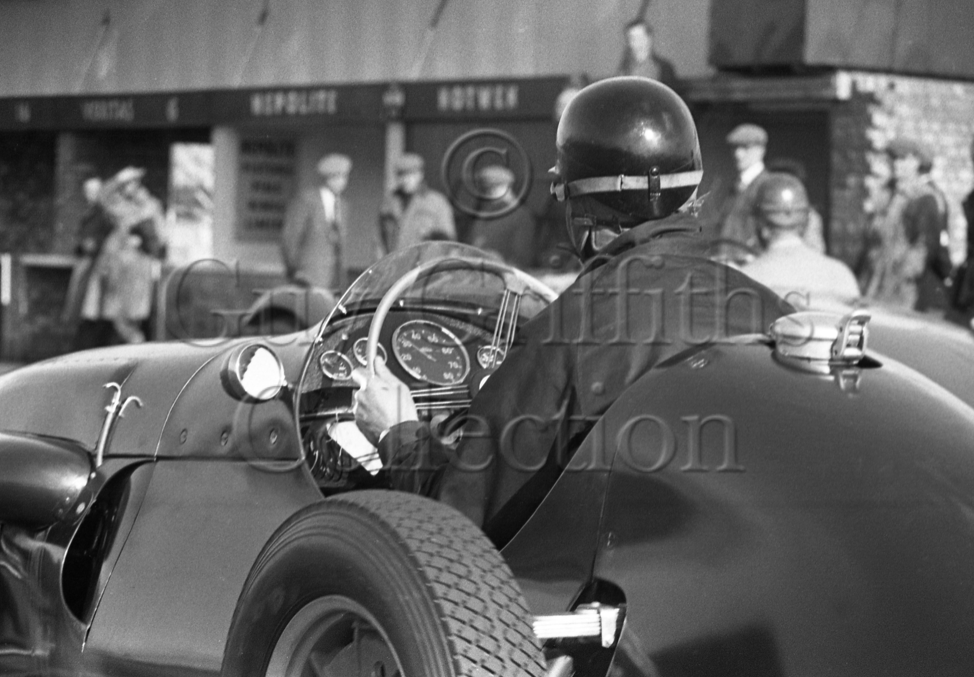 69-592–T-Crook–Cooper-Alta–Silverstone–16-05-1953.jpg - The Guy Griffiths Collection