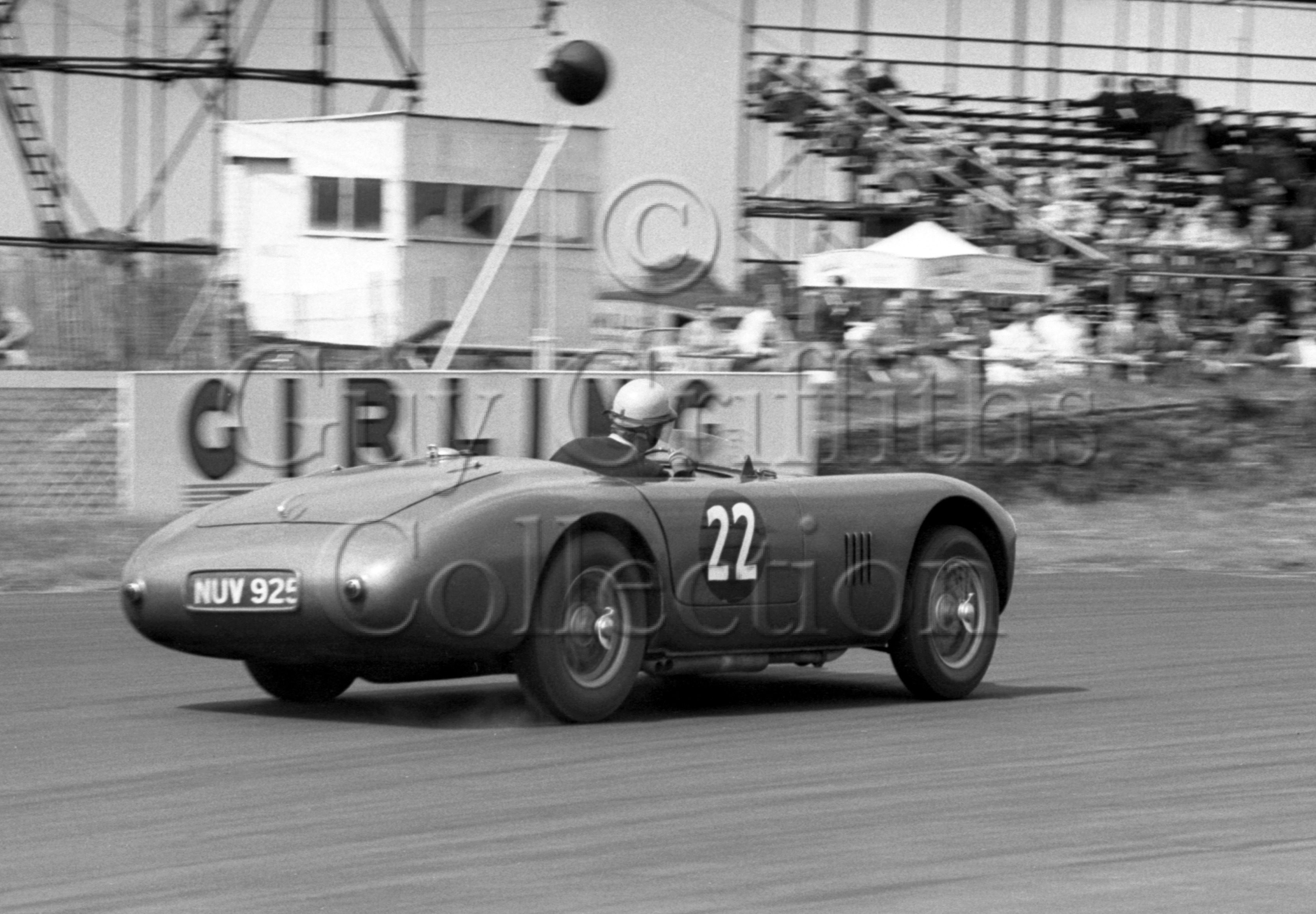 72-411–K-Downing–Aston-Martin-DB3–Silverstone–27-06-1953.jpg - The Guy Griffiths Collection