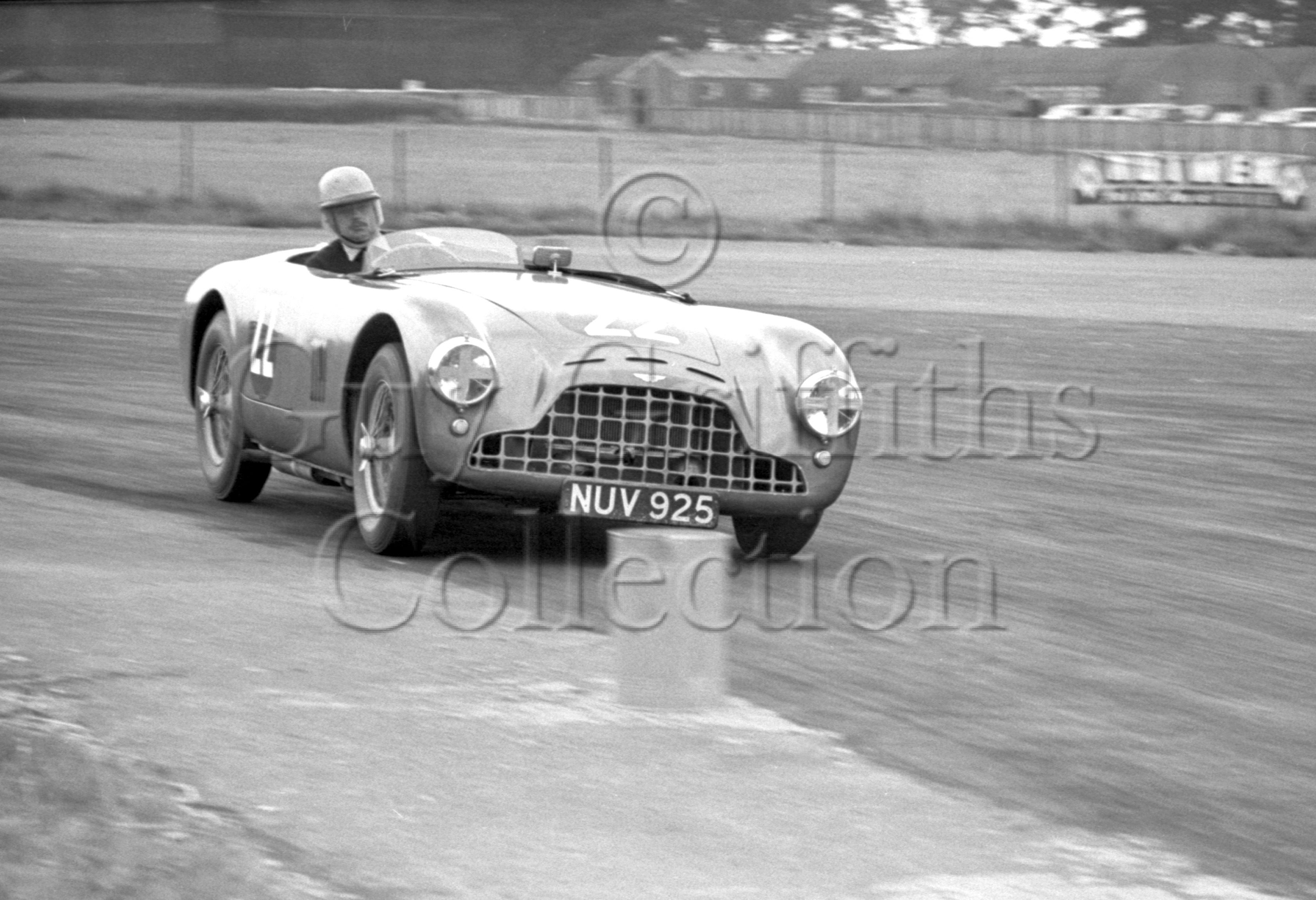 72-455–K-Downing–Aston-Martin-DB3-Siverstone–27-06-1953.jpg - The Guy Griffiths Collection
