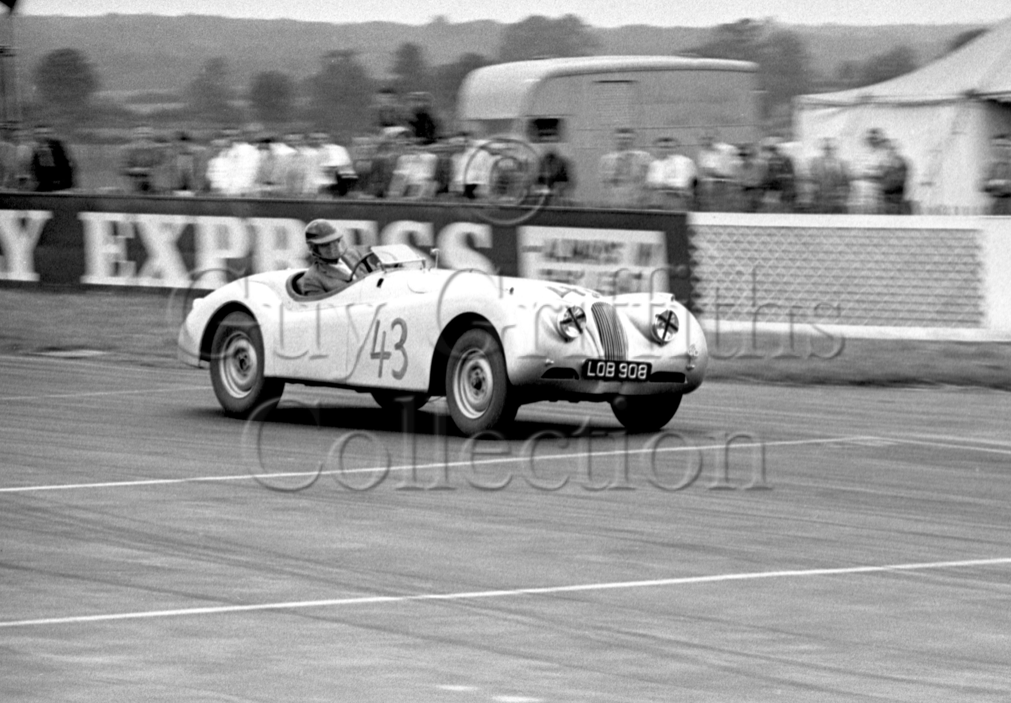 72-472–G-Mansell–Jaguar–Silverstone–27-06-1953.jpg - The Guy Griffiths Collection