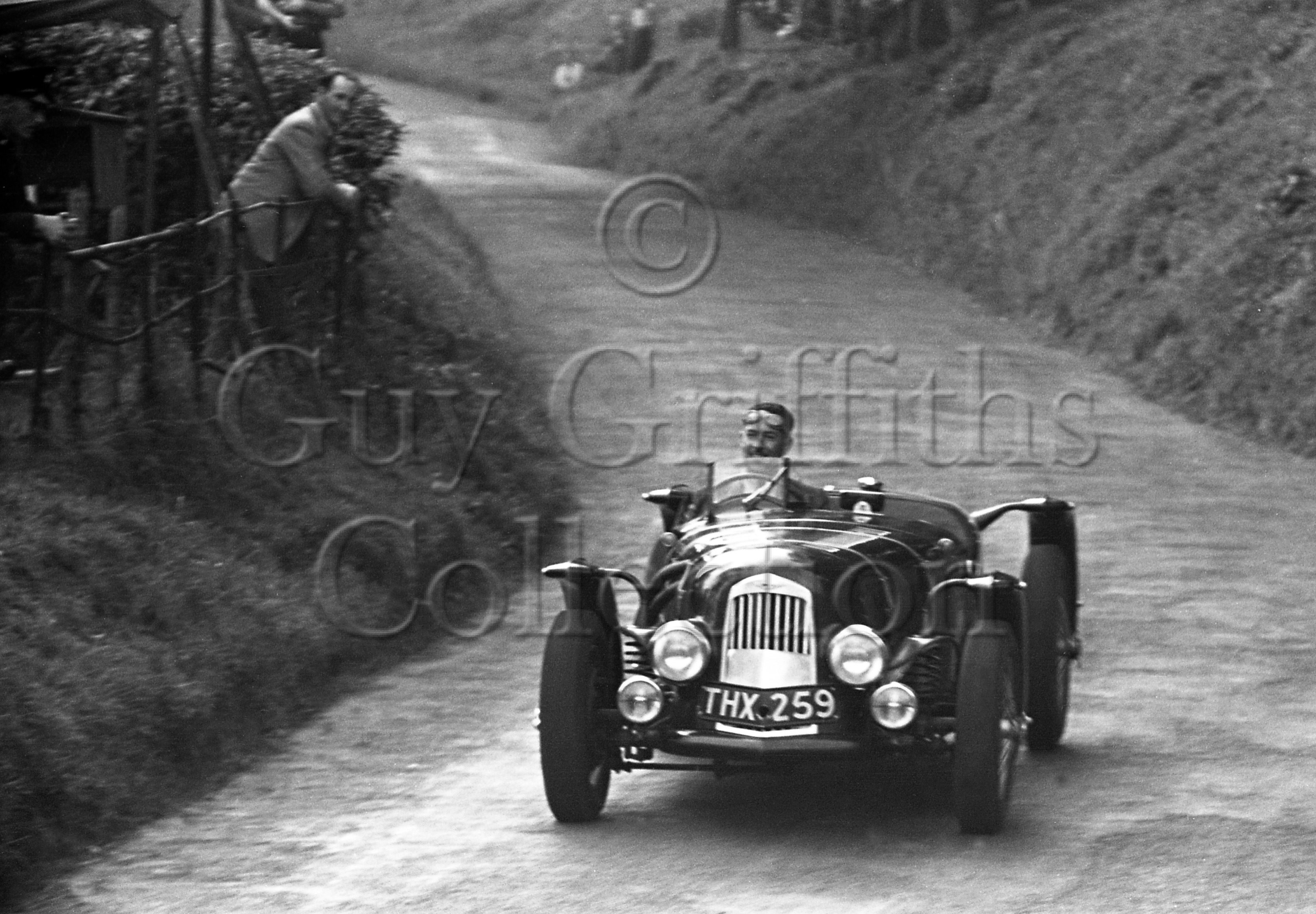 8-503–J-Horsfall–Aston-Martin–Shelsley–25-09-1948.jpg - The Guy Griffiths Collection