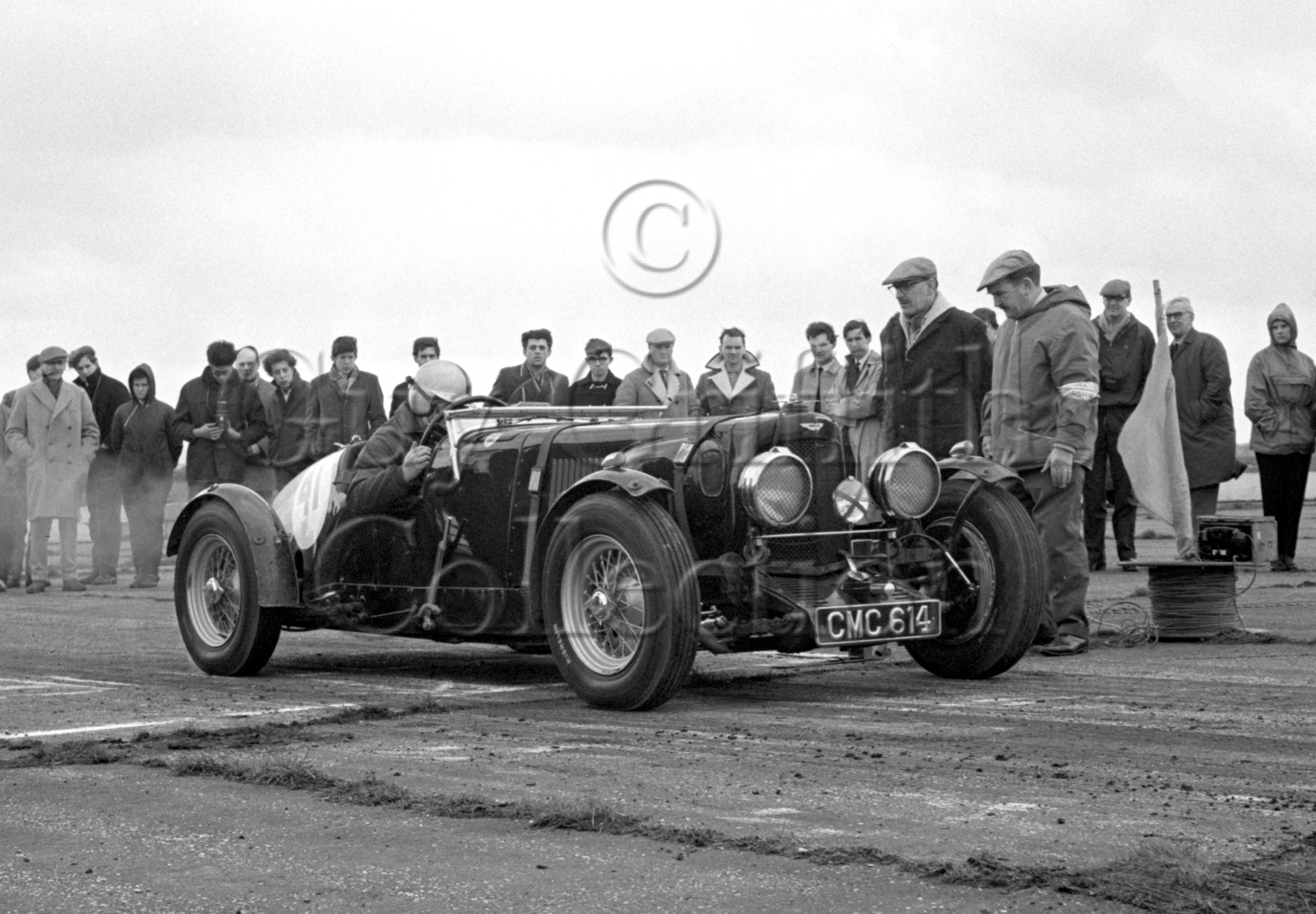 88-472–D-Edwards–Aston-Martin–Silverstone–27-03-1965.jpg - The Guy Griffiths Collection