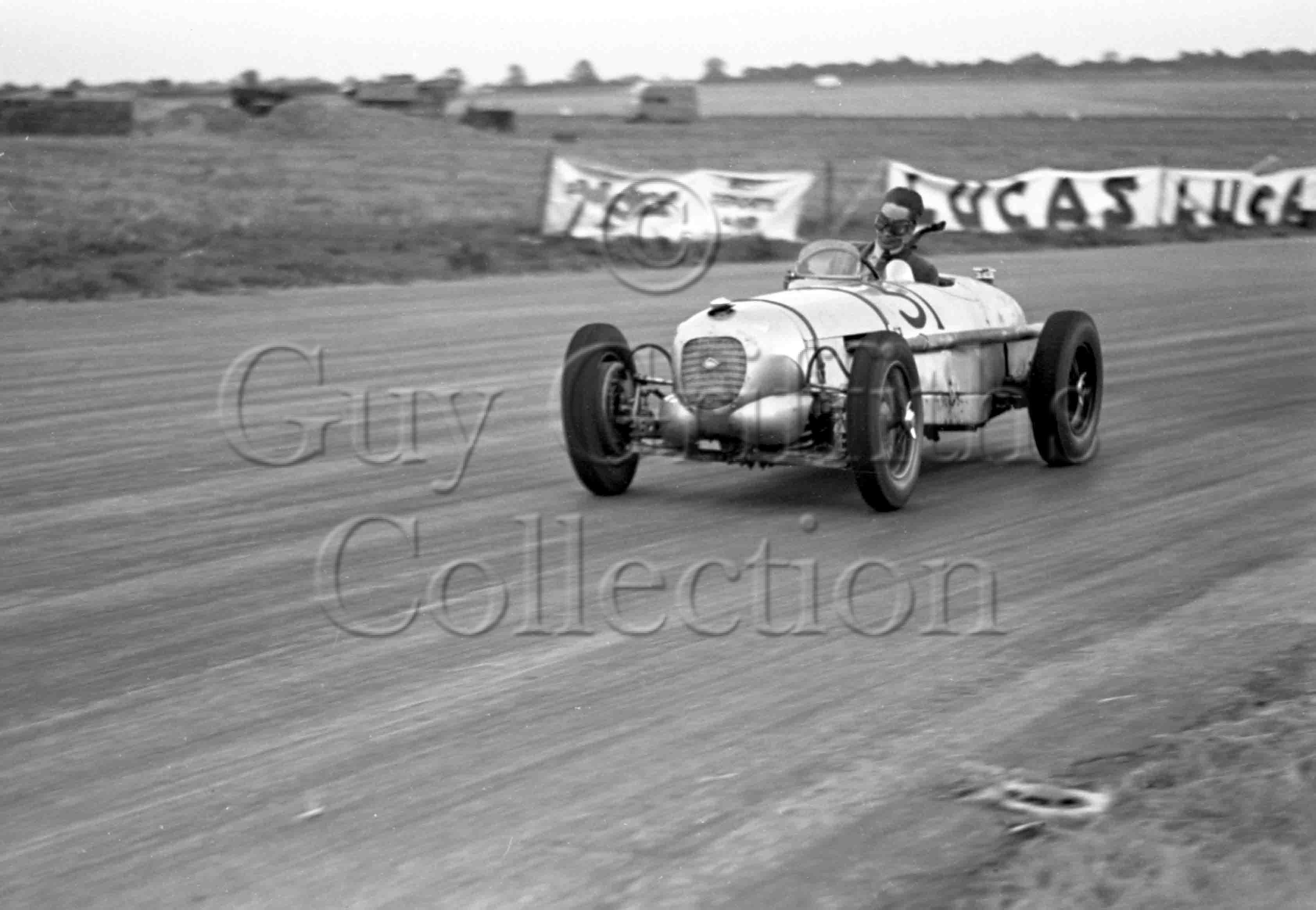 9-242–G-N-Richardson–E.R.A.-Riley–Silverstone—02-10-1948.jpg - The Guy Griffiths Collection