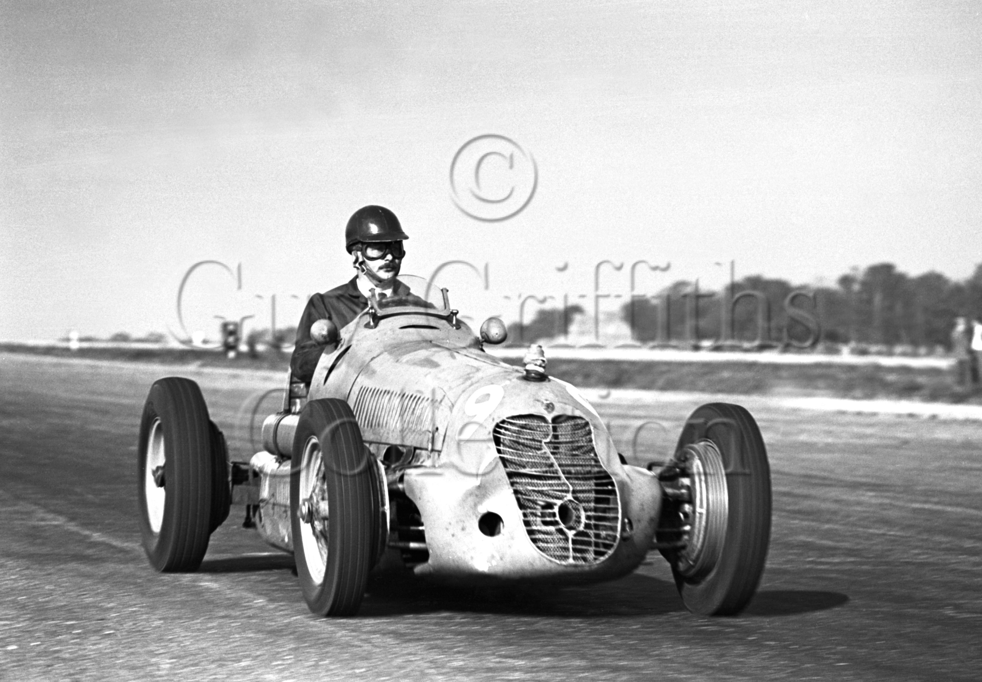 9-61–G-H-Bainbridge–Maserati–Silverstone–02-10-1948.jpg - The Guy Griffiths Collection