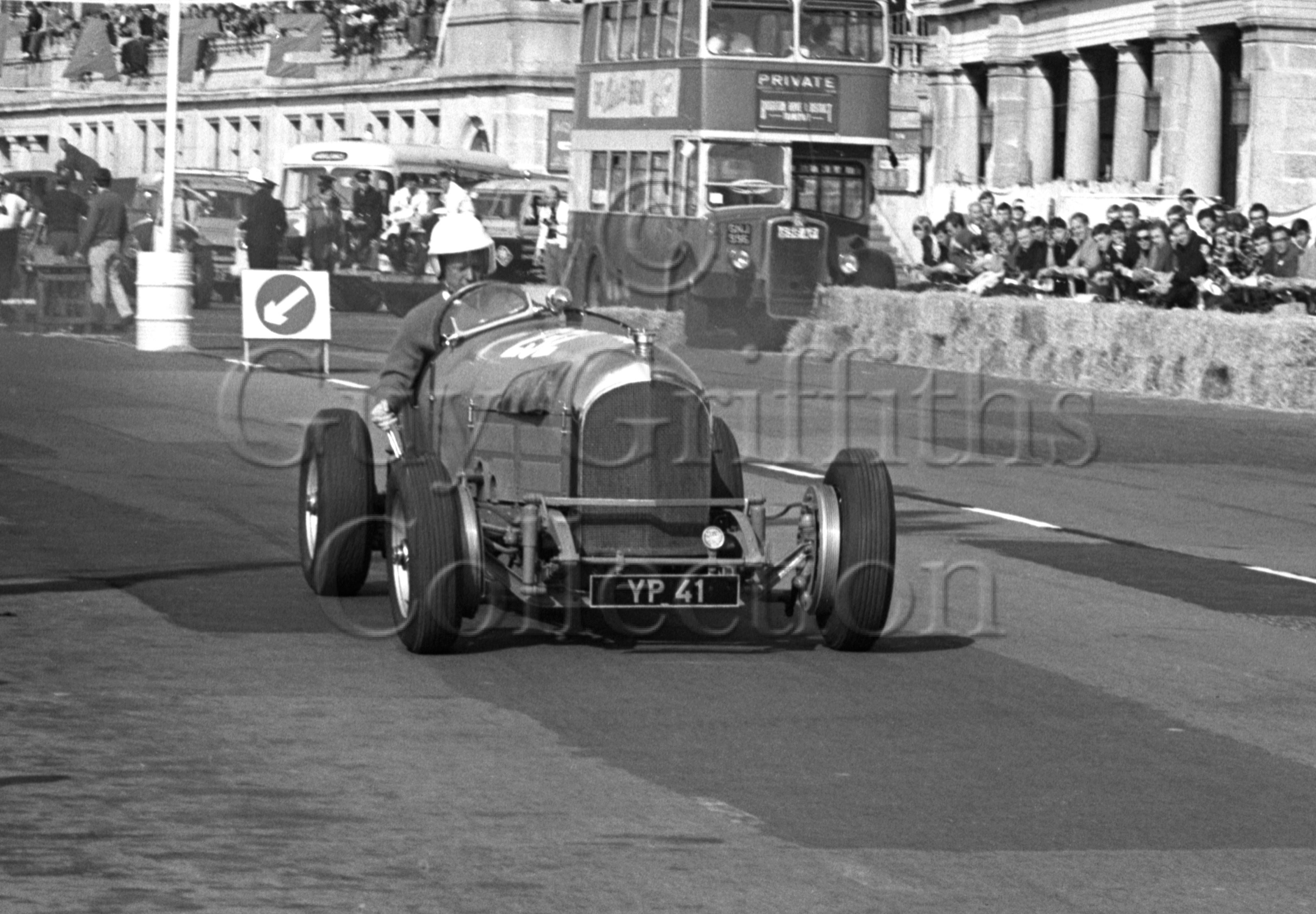 102-873–D-Llewellyn–Bentley-Brighton–17-09-1966.jpg - The Guy Griffiths Collection