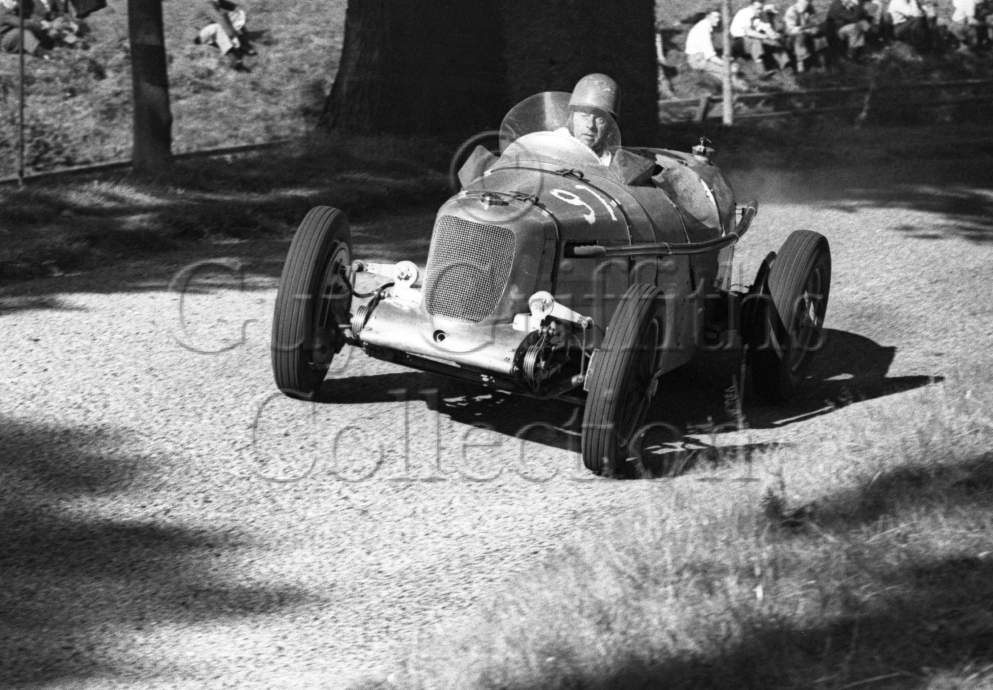 21-442–H-Richards–Riley–Gt-Auclum–14-08-1949.jpg - The Guy Griffiths Collection