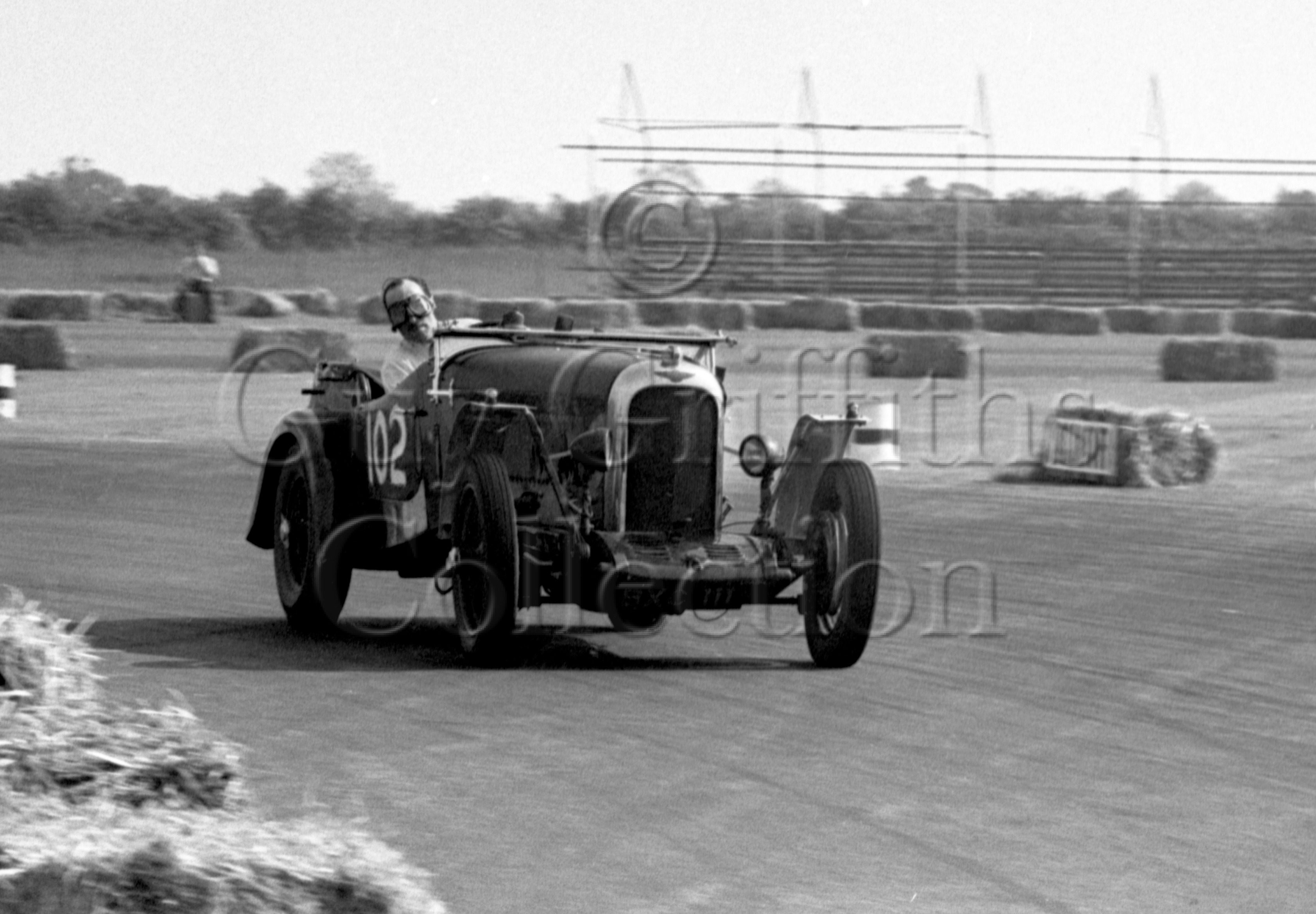 31-806–H-Lumb–Rapier–Silverstone–03-06-1950.jpg - The Guy Griffiths Collection