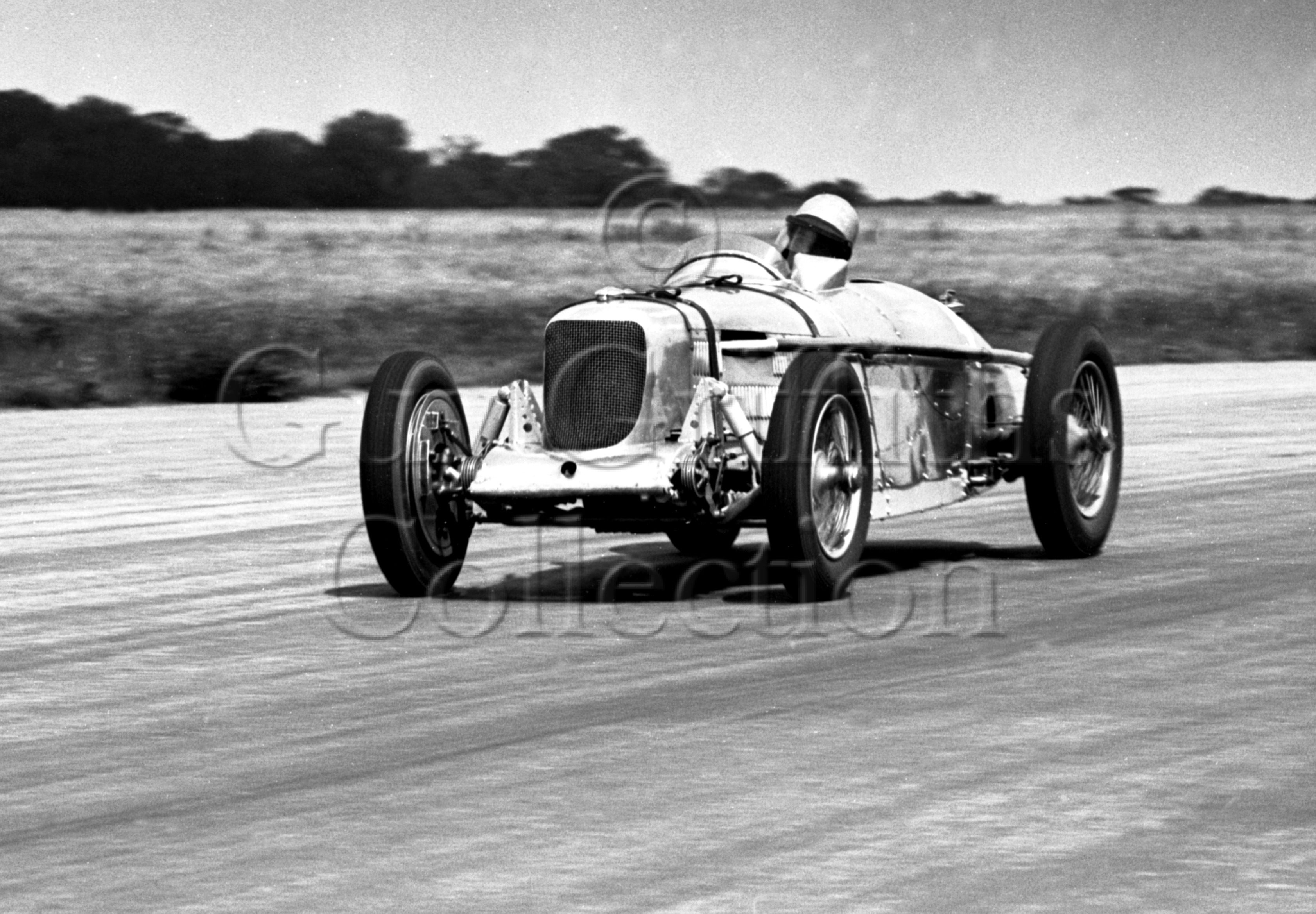 34-215–H-Richards–Riley–Silverstone–29-07-1950.jpg - The Guy Griffiths Collection