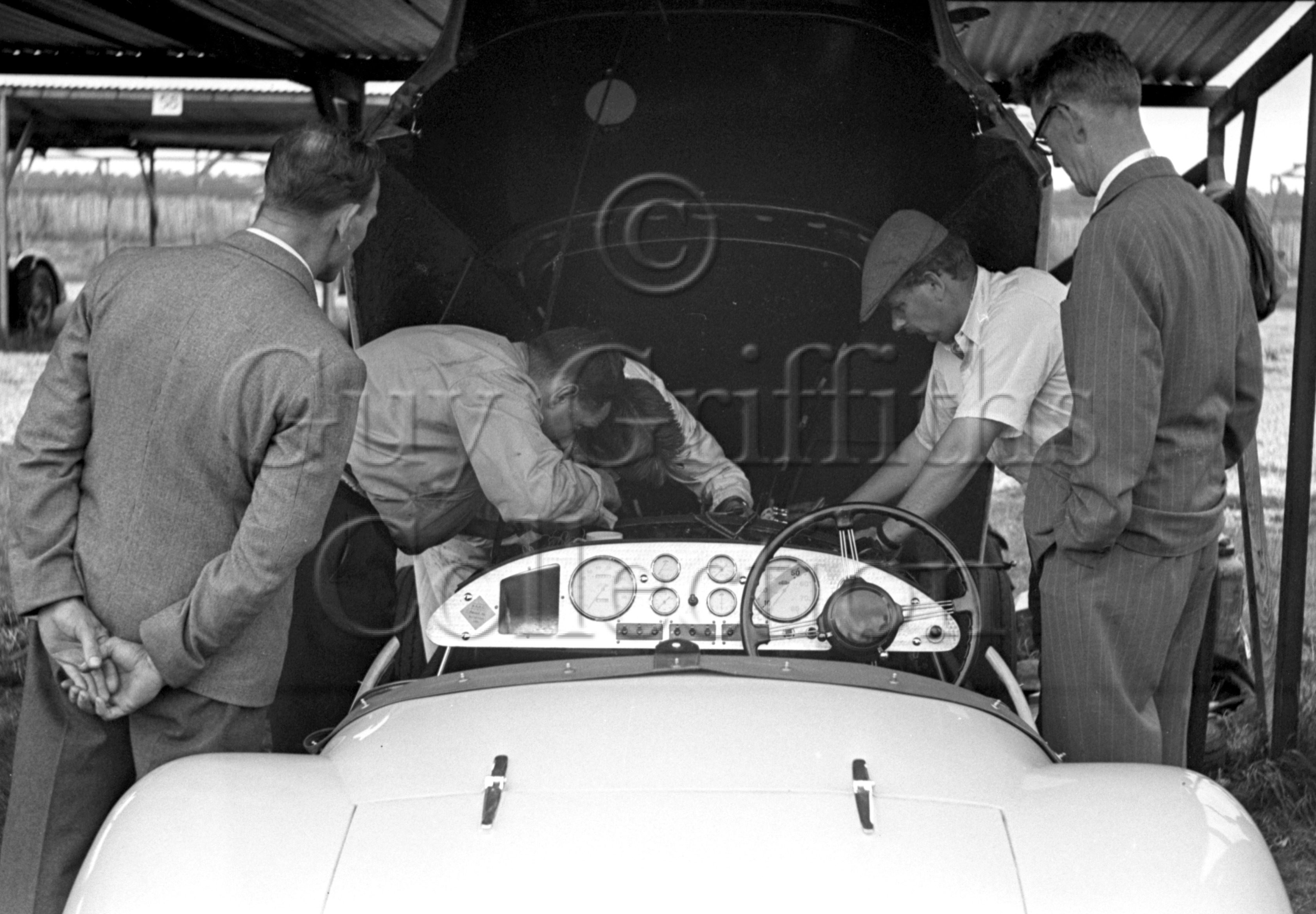 35-83–K-Downing–Connaught–Goodwood–12-08-1950.jpg - The Guy Griffiths Collection