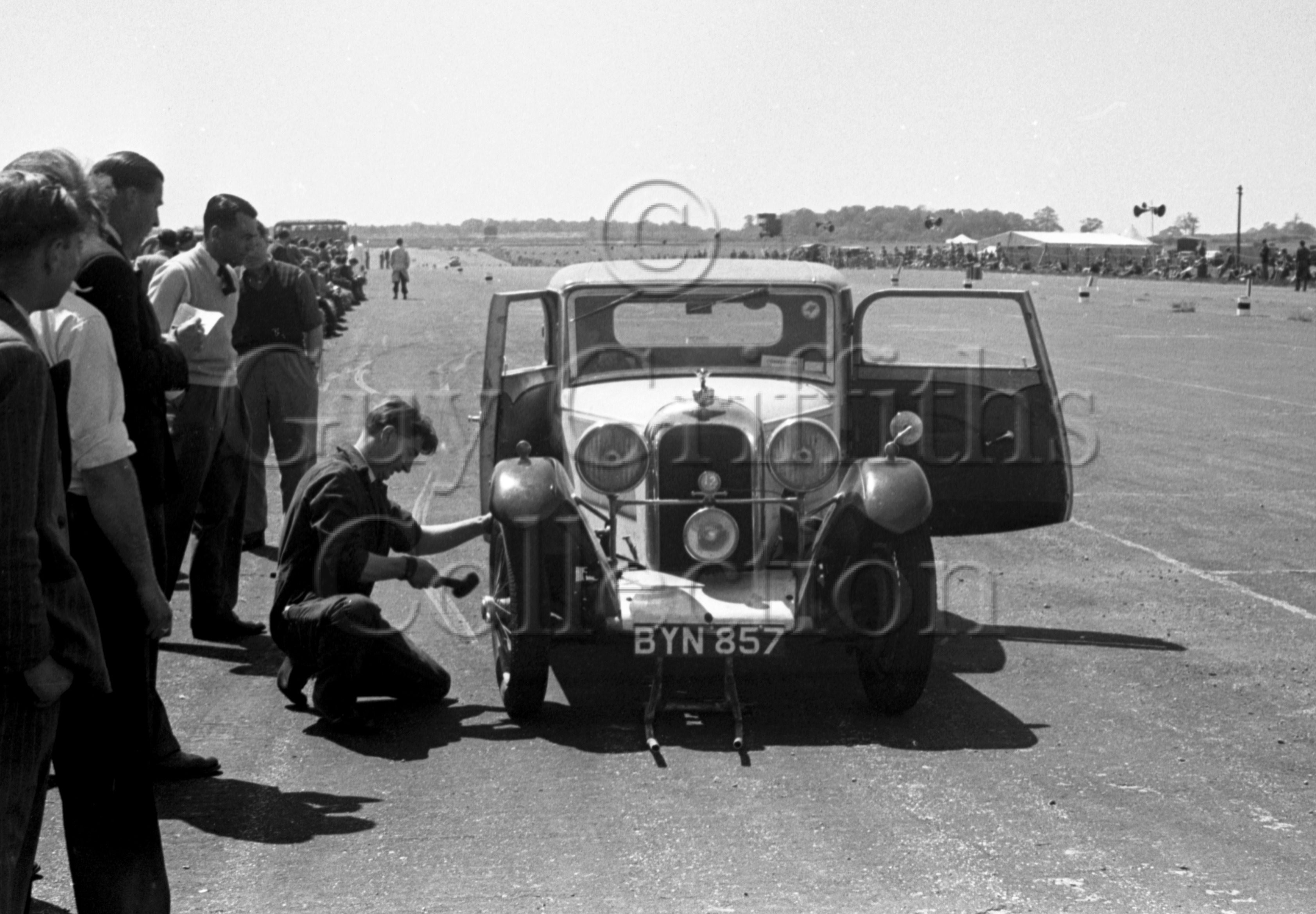 44-534–H-Dearden–Rapier–Silverstone–02-06-1951.jpg - The Guy Griffiths Collection