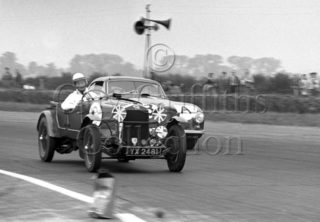 60-671–H-Cox–OM–Silverstone–30-08-1952.jpg - The Guy Griffiths Collection