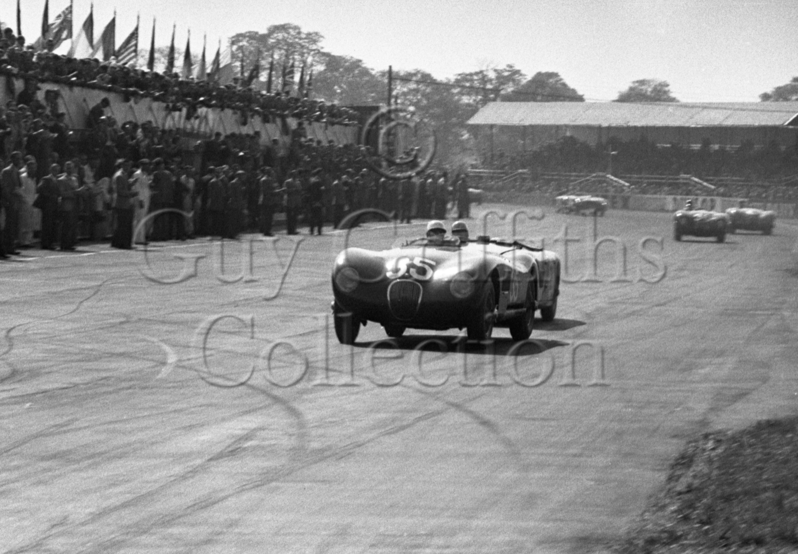 68-791–S-Moss–Jaguar–Silverstone–09-05-1953.jpg - The Guy Griffiths Collection