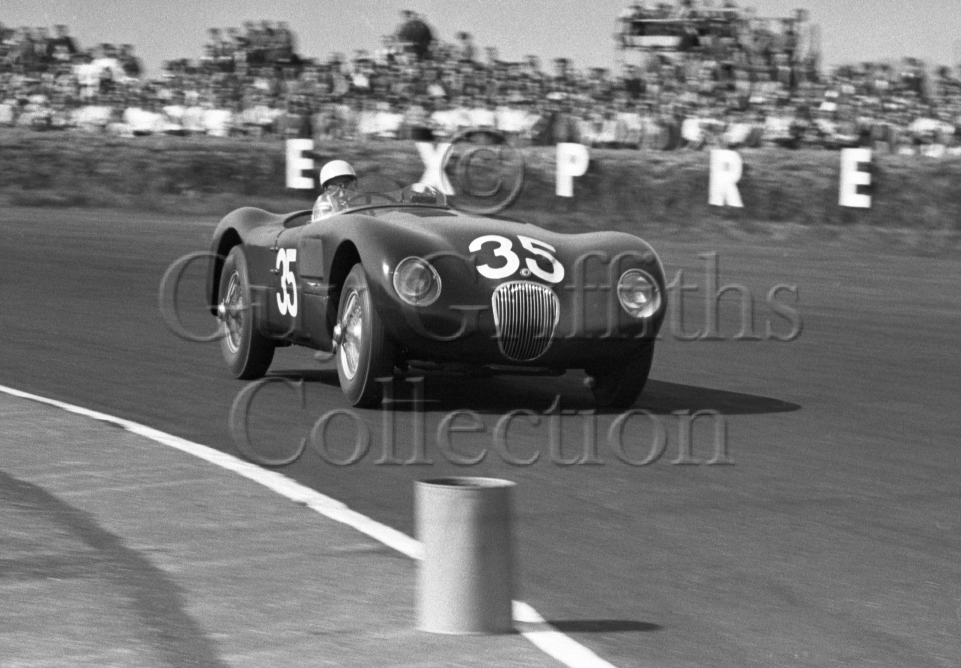 68-831–S-Moss–Jaguar–Silverstone–09-05-1953.jpg - The Guy Griffiths Collection