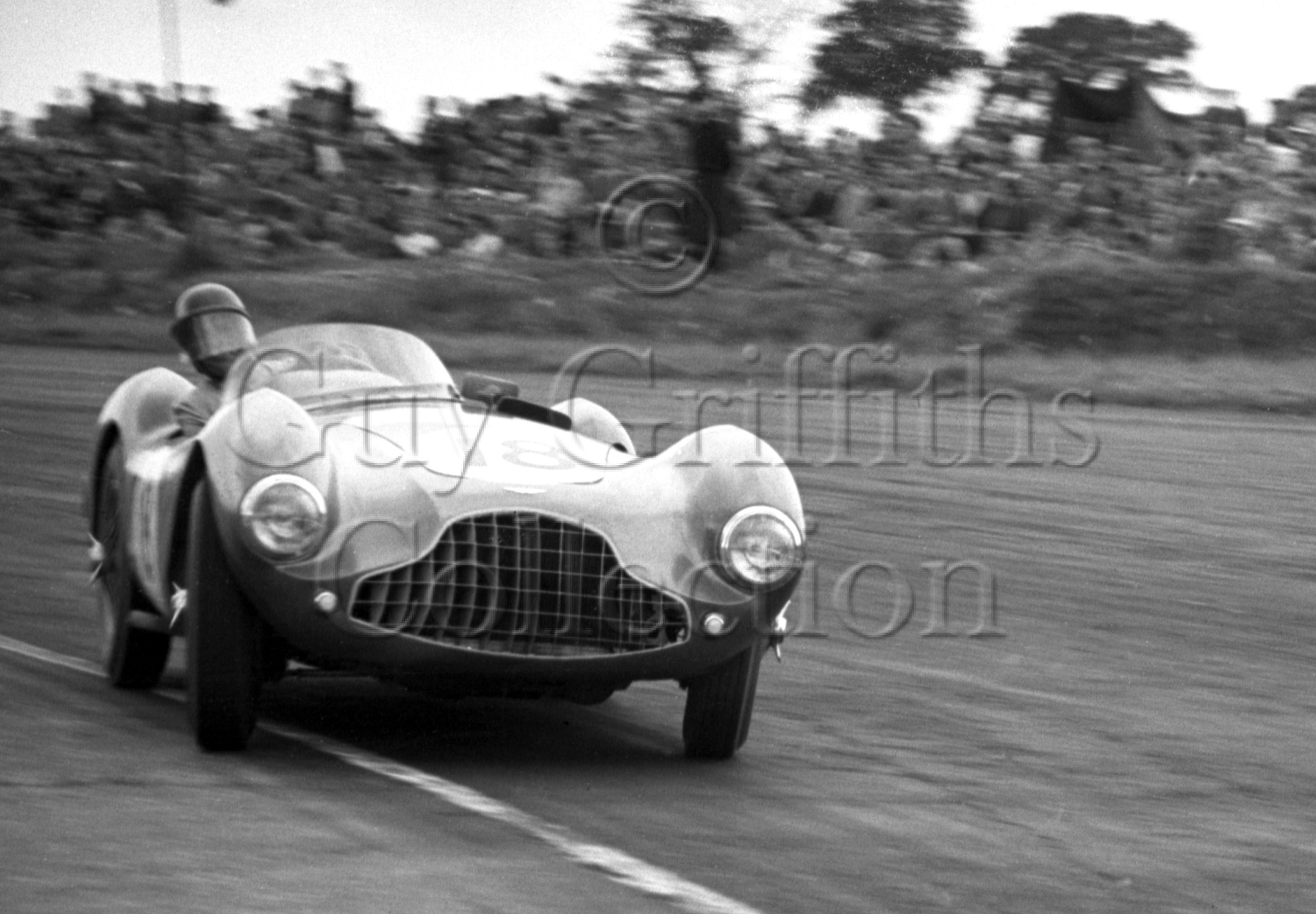 74-66–P-Collins–Aston-Martin–Silverstone–18-07-1953.jpg - The Guy Griffiths Collection