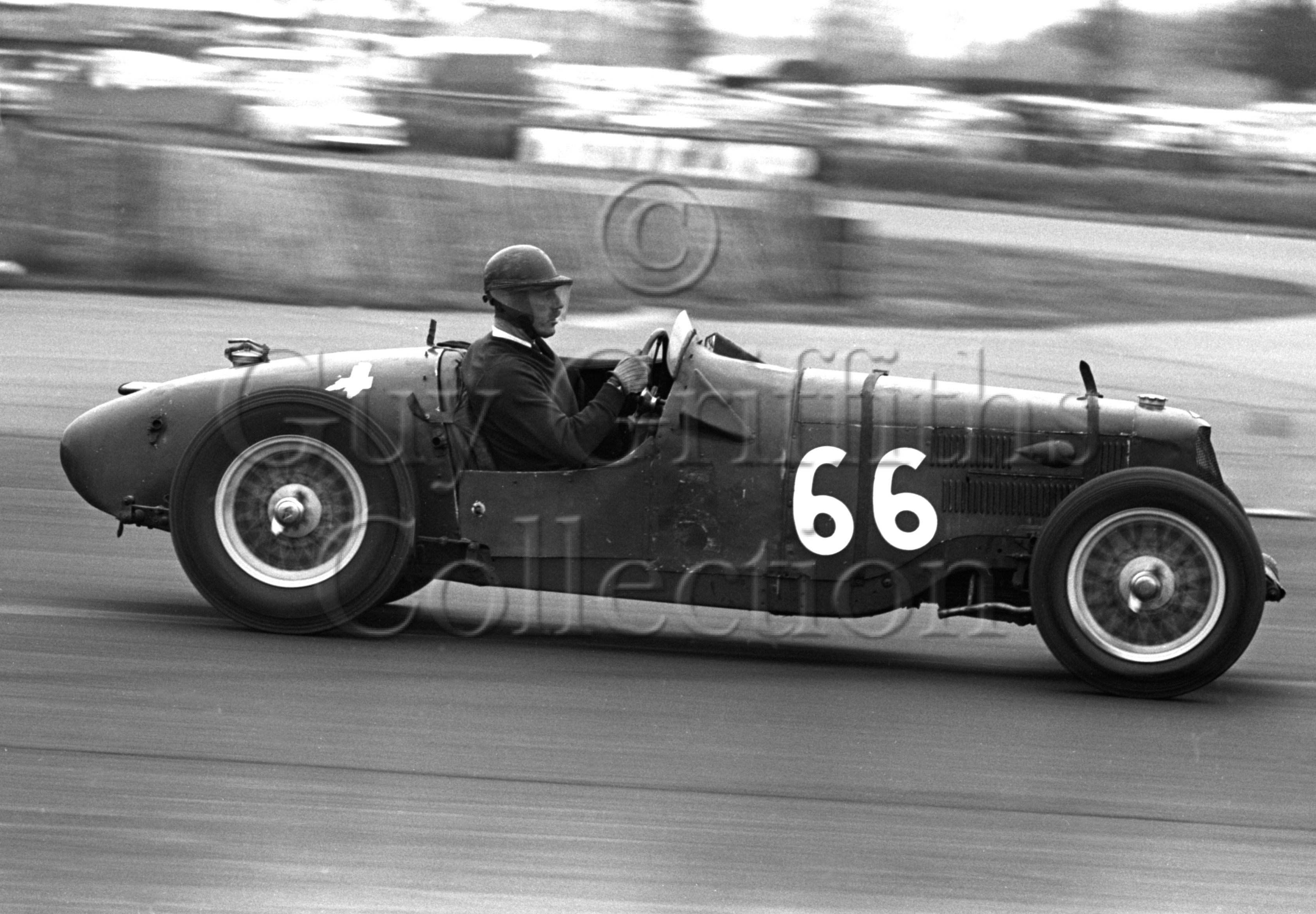 81-294–P-Binns–Riley–Silverstone–18-04-1964.jpg - The Guy Griffiths Collection