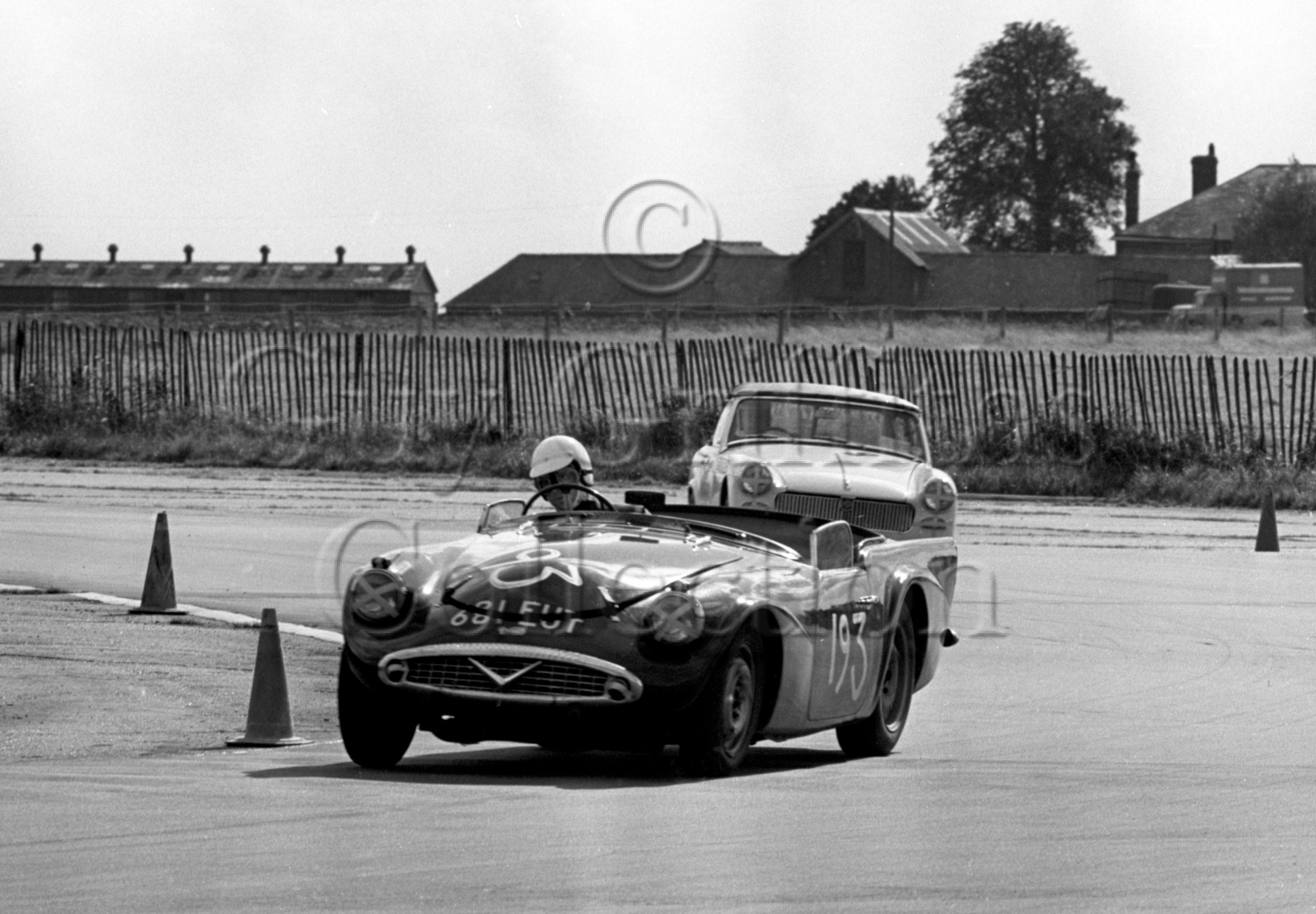112-896–J-B-Brown–Daimler-SP250—Silverstone–21-09-1968.jpg - The Guy Griffiths Collection