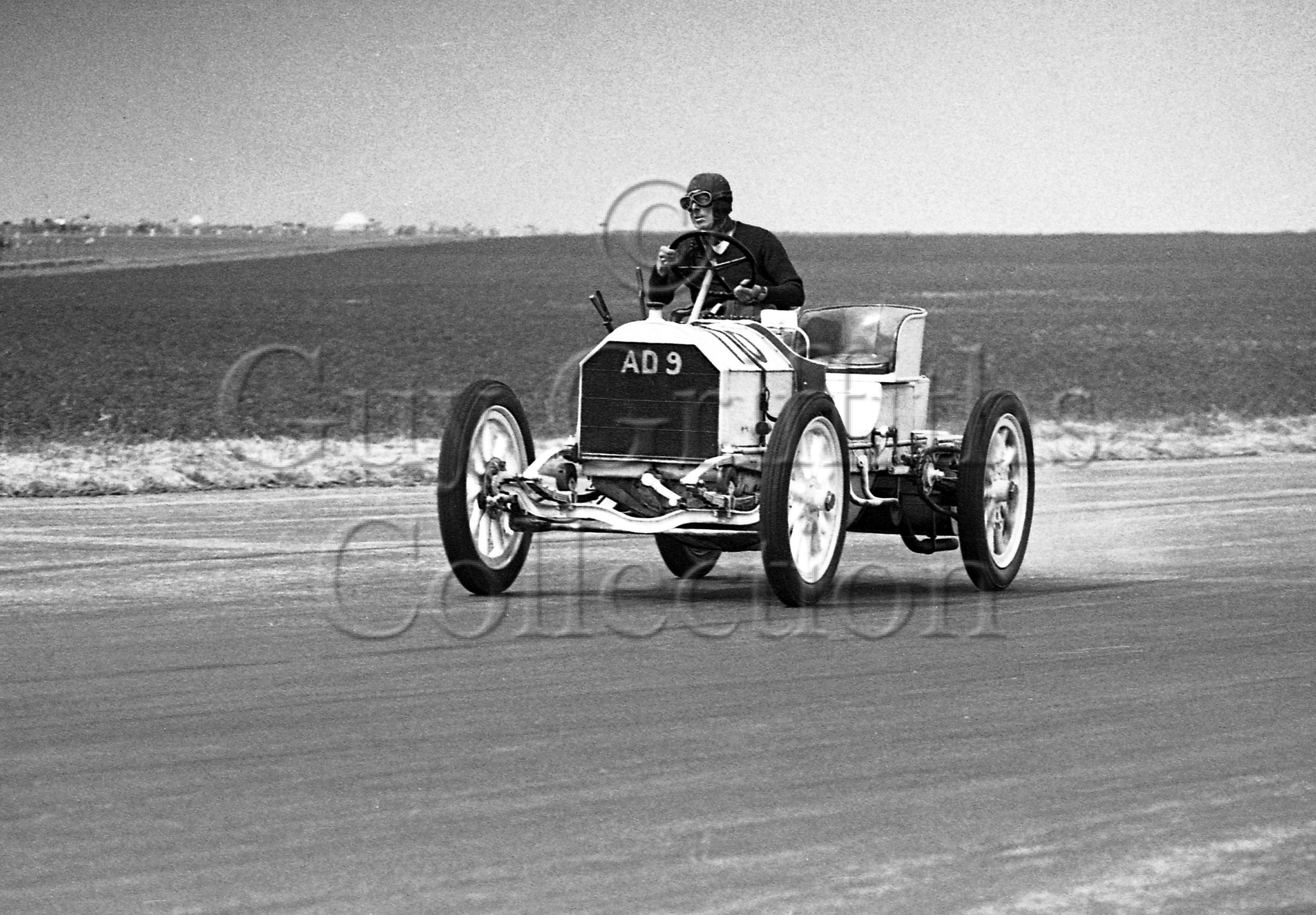18-113–C-R-Abbott–Mercedes-Simplex–Silverstone–02-07-1949.jpg - The Guy Griffiths Collection
