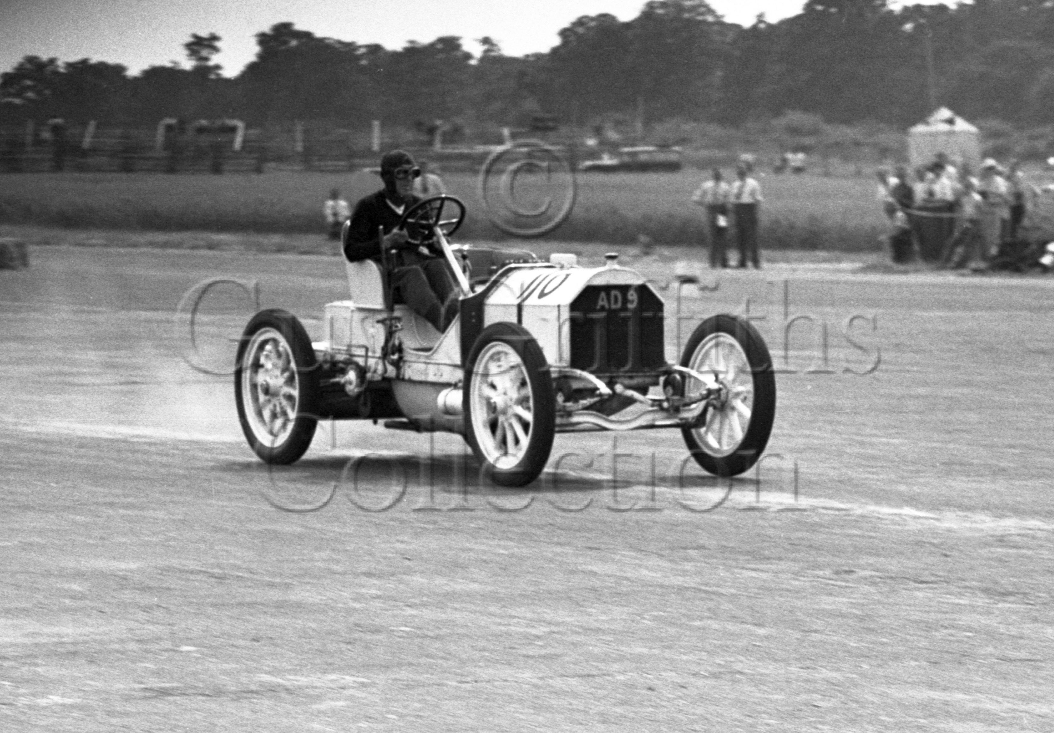18-83–C-R-Abbott–Mercedes-Simplex–Silverstone–02-07-1949.jpg - The Guy Griffiths Collection