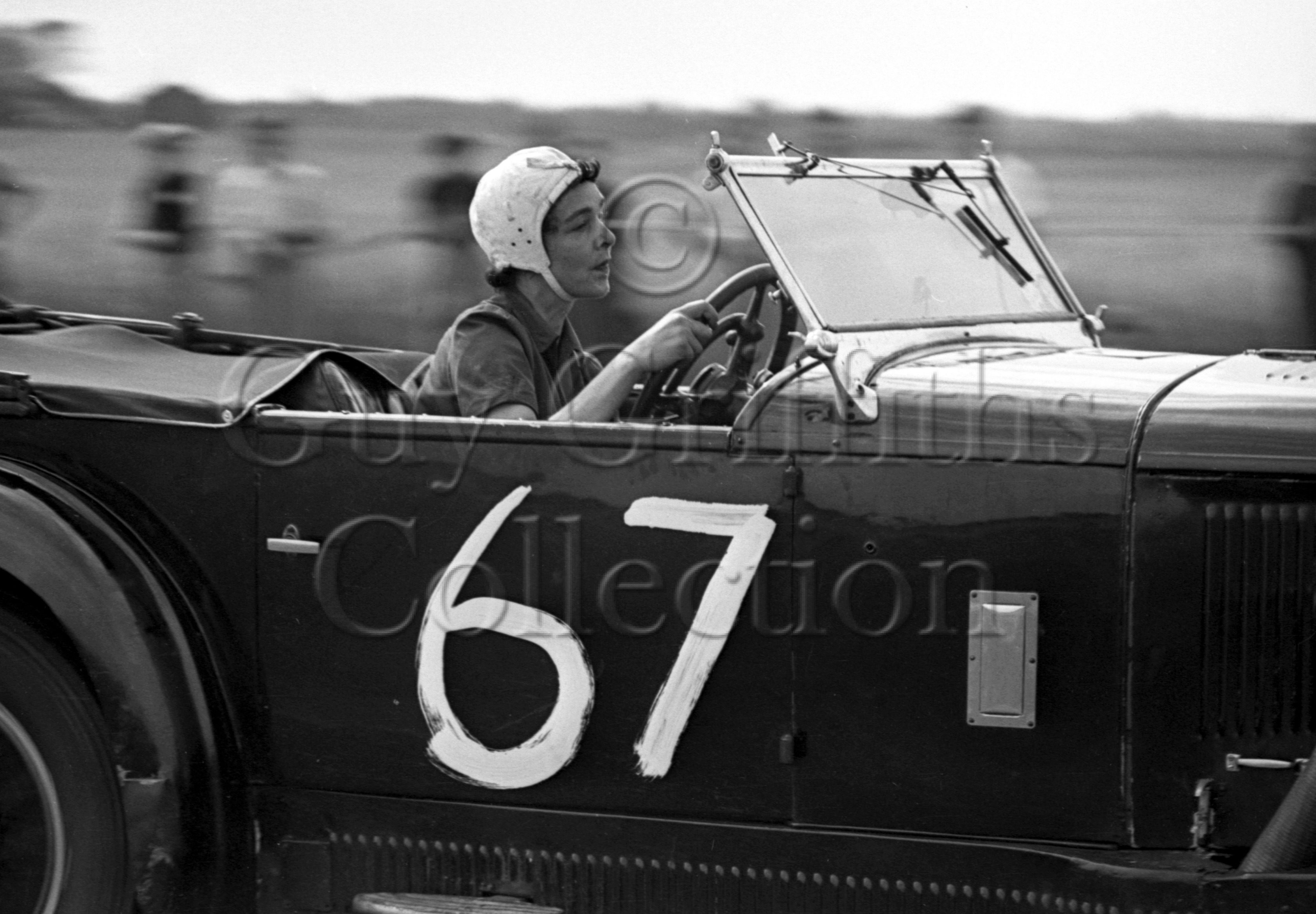 19-155–Mrs-H-L-Kennard–Mercedes-Benz–Silverstone–23-07-1949.jpg - The Guy Griffiths Collection