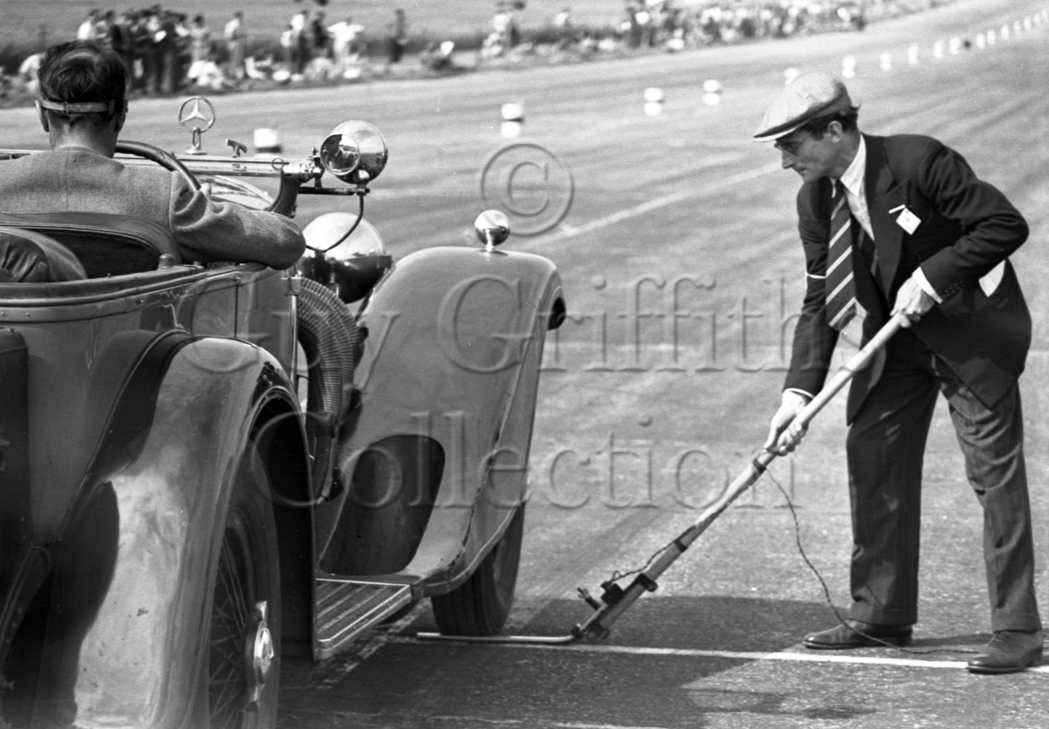 19-162–O-P-Raphael–Mercedes-Benz–Silverstone–23-07-1949.jpg - The Guy Griffiths Collection
