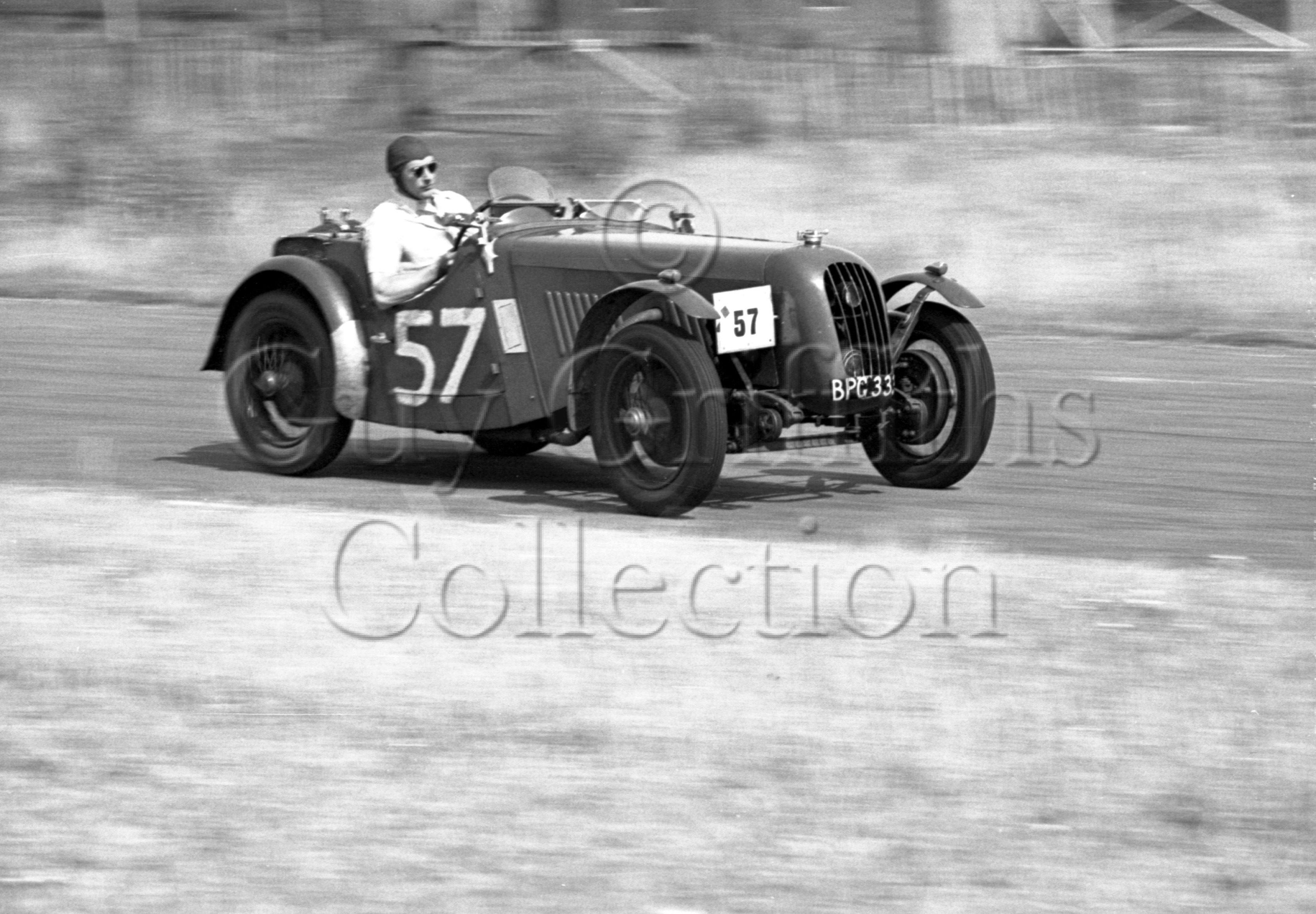 21-202–J-Tilling–Singer–Goodwood–13-08-1949.jpg - The Guy Griffiths Collection